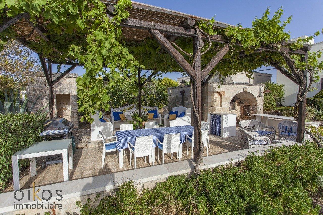 Prestigiosa villa, 5 camere con annesso, piscina e giardino botanico