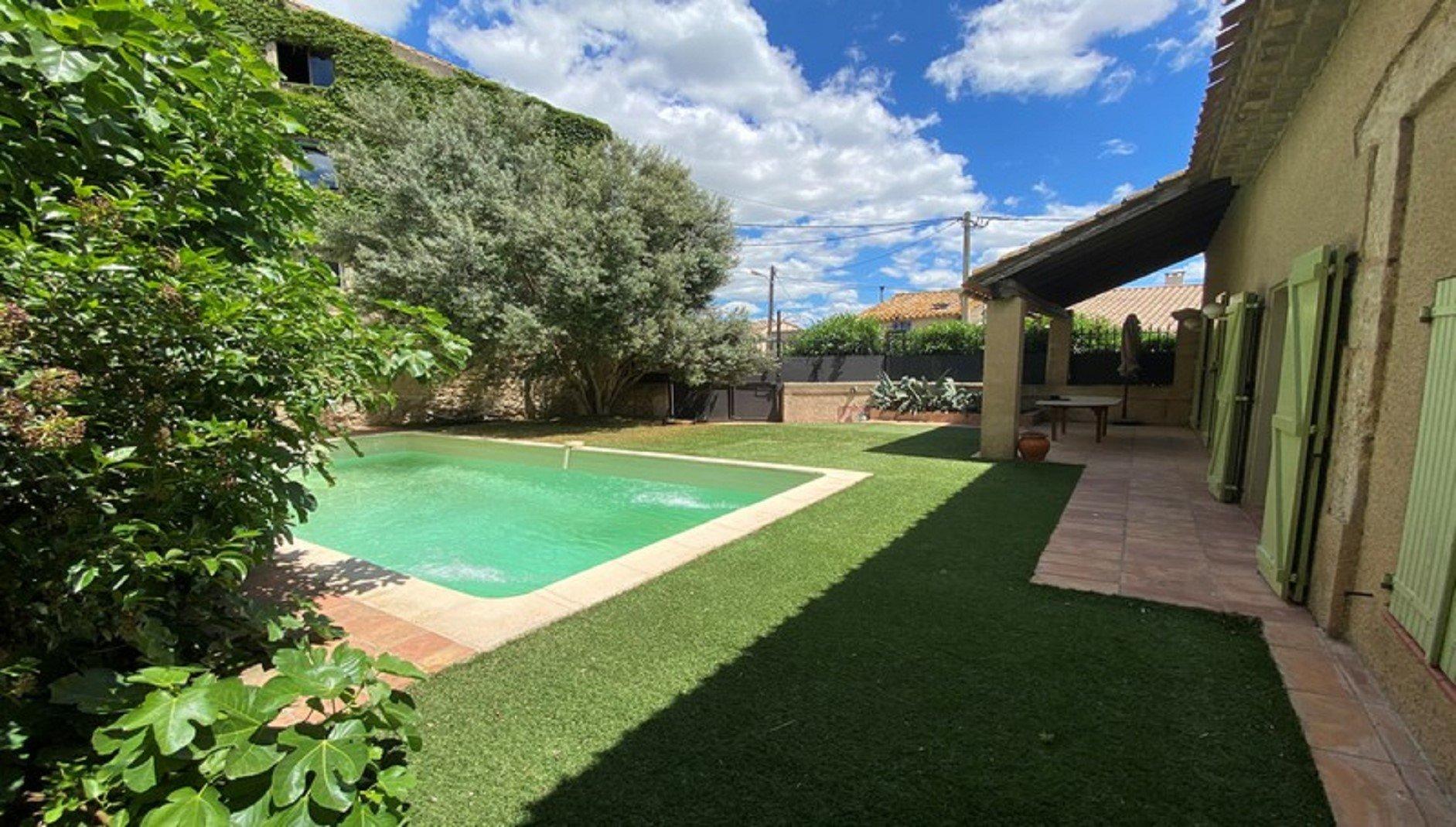 Grange aménagé avec piscine
