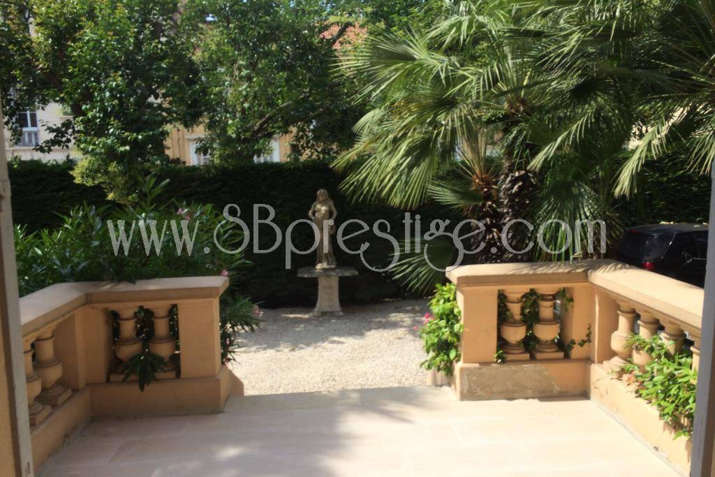 Cannes: 5 room flat for seasonal or long term rent