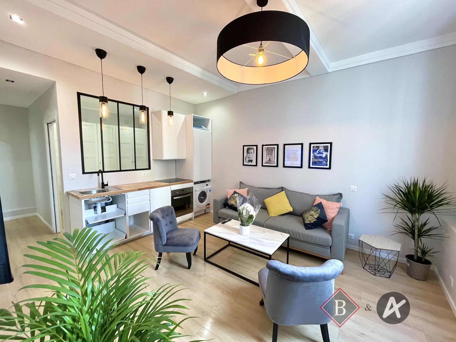 Försäljning Lägenhet - Antibes Vieil Antibes