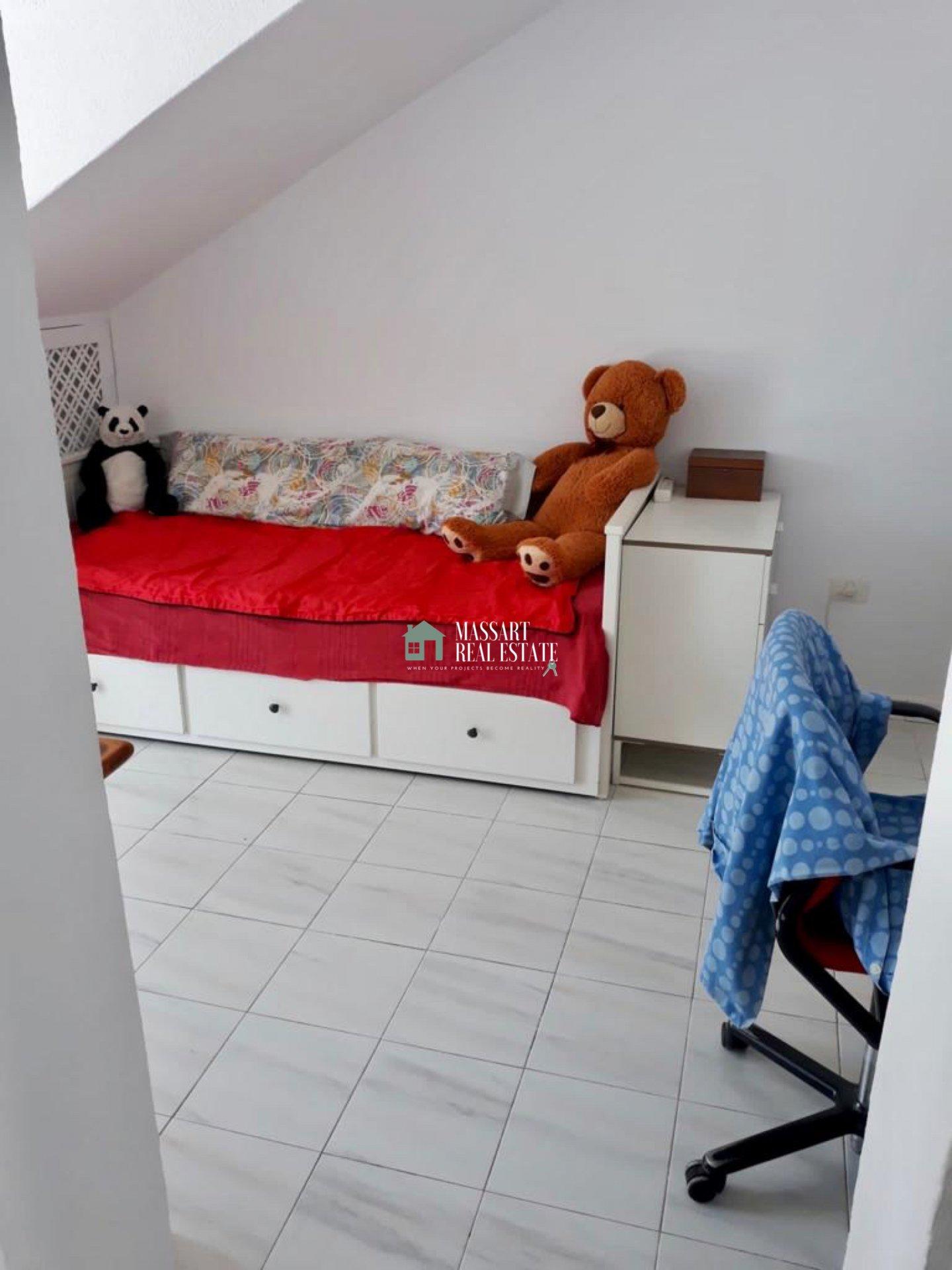 Appartamento arredato di circa 70 m2 situato nella famosa zona di Los Cristianos, nel complesso residenziale Albatros.