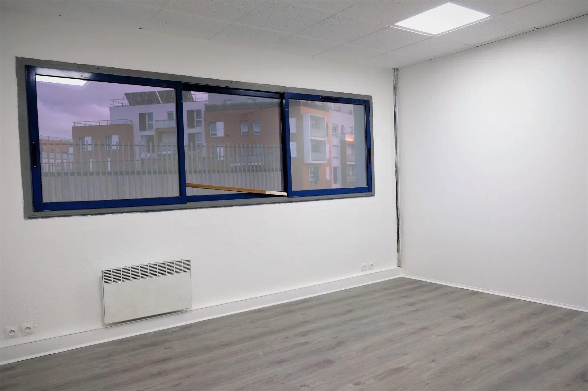 Bureaux 100 m²