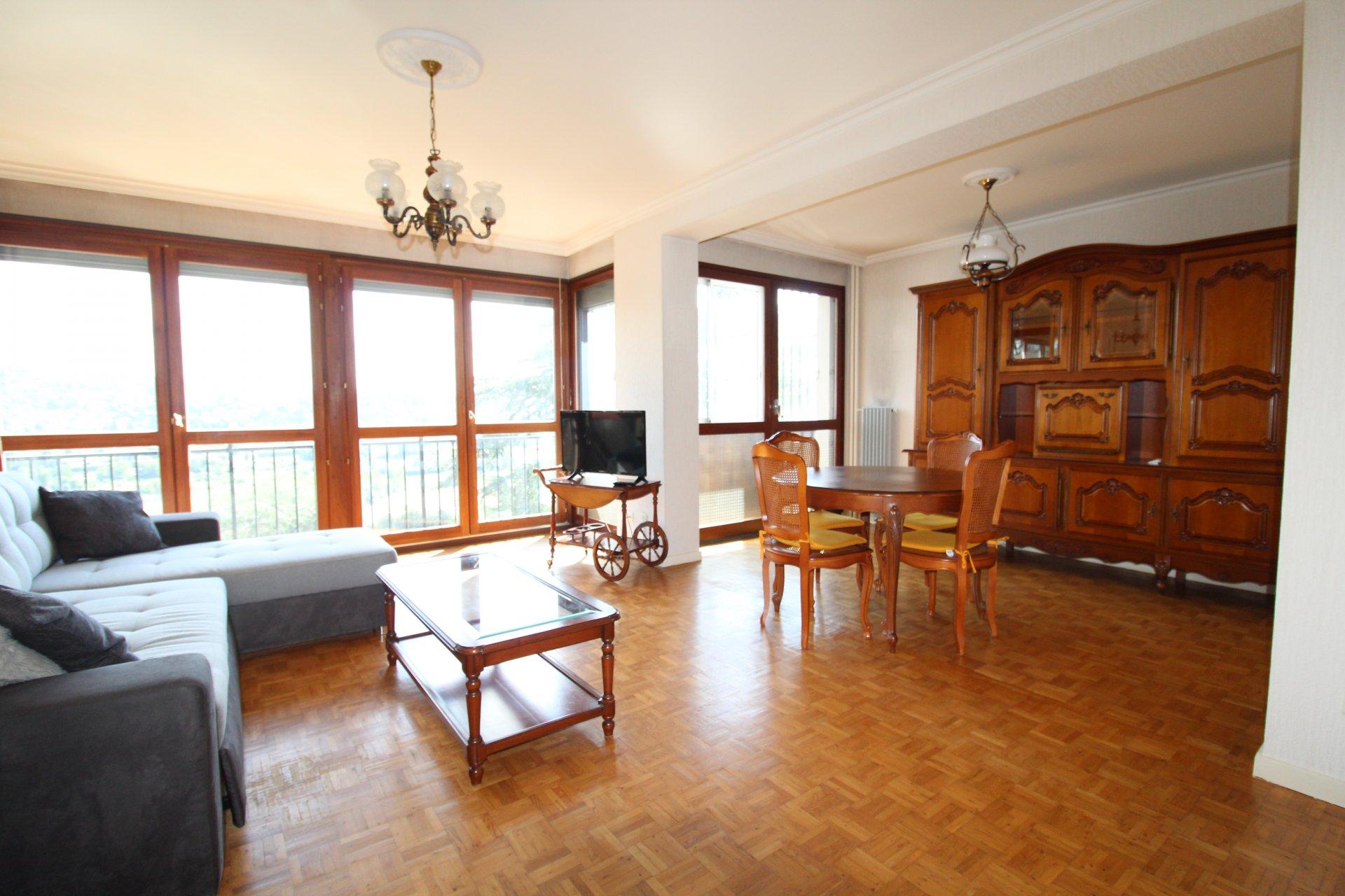 Appartement Villars / La Feuilletiere 3 pièces 74m2 avec balcon et garage.