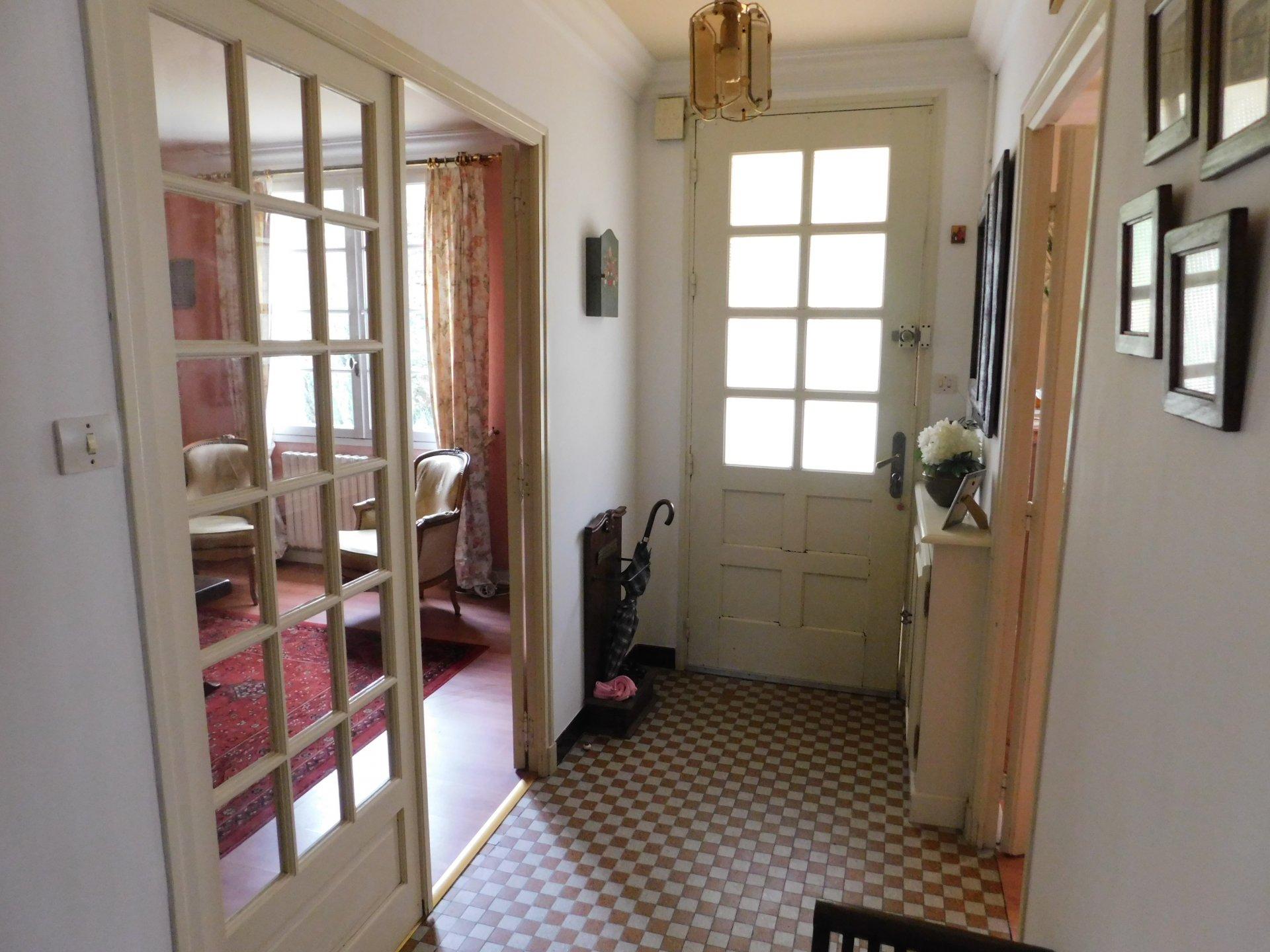 Sale House - Berrien