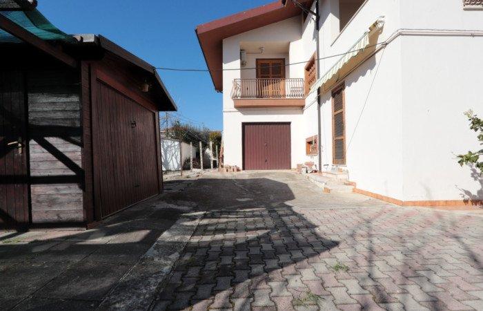 Villa near the center