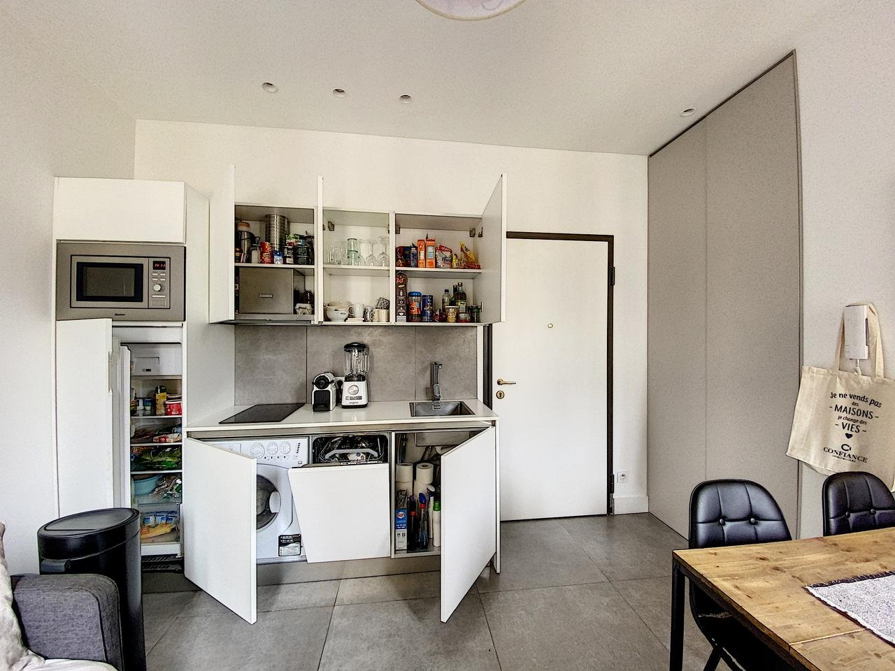 Appartement  2 Rooms 24.03m2  for sale   245000 €