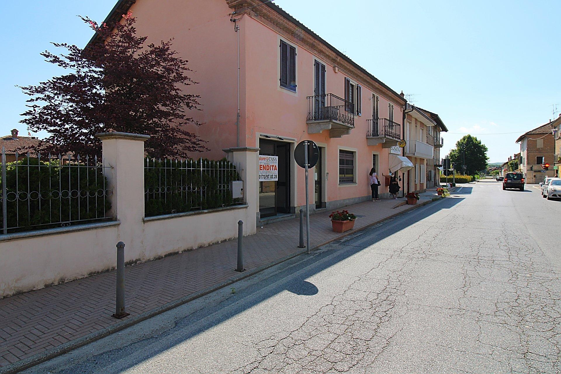 Locale Commerciale a Magliano