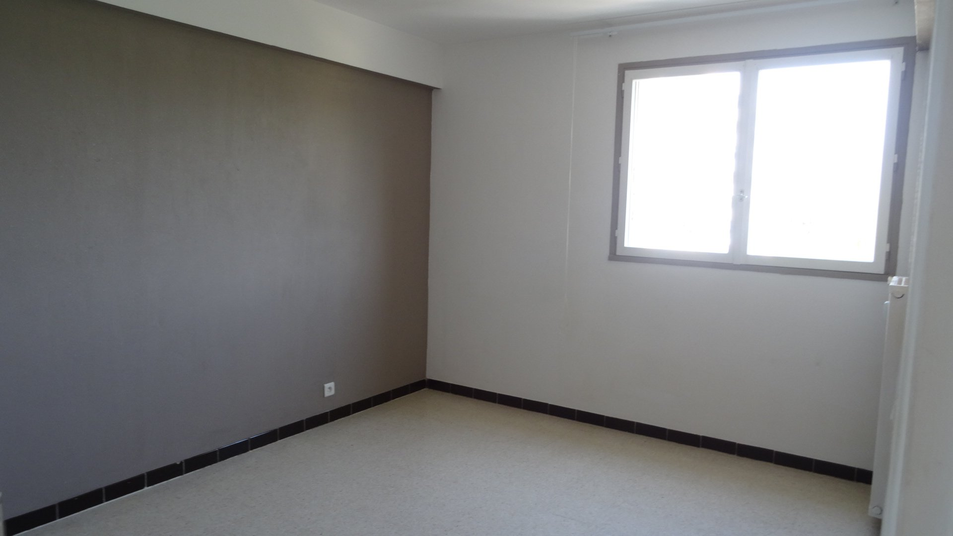 Rental Apartment - Saint-Laurent-du-Var Centre Ville
