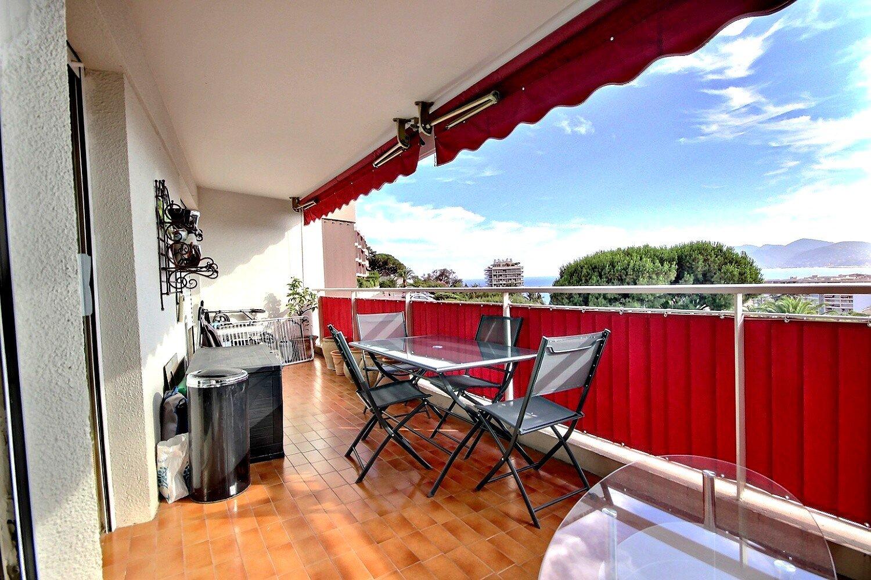 Appartement rénové 4P à vendre à Cannes-ouest vue calme et stationnement