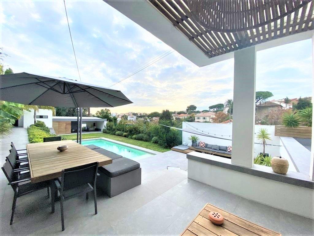 Charmig Villa 6 rum  med trädgård och pool  - Petit Juas Cannes