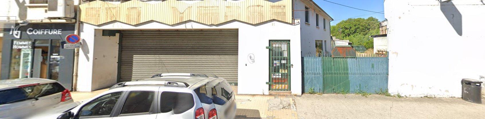 Local / Commerce 1 pièce de 110 m²