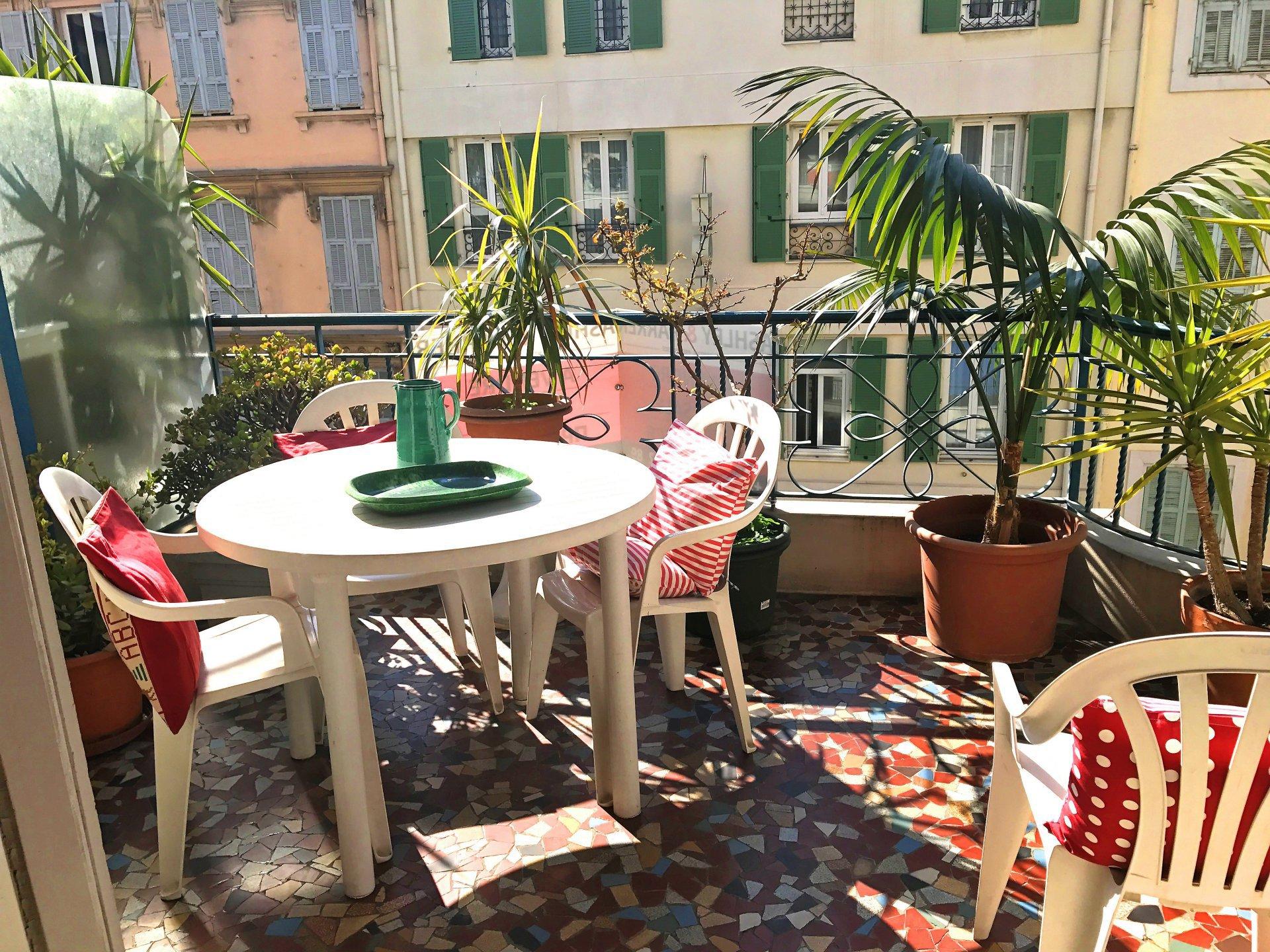 3 Bedrooms apartement Golden Square