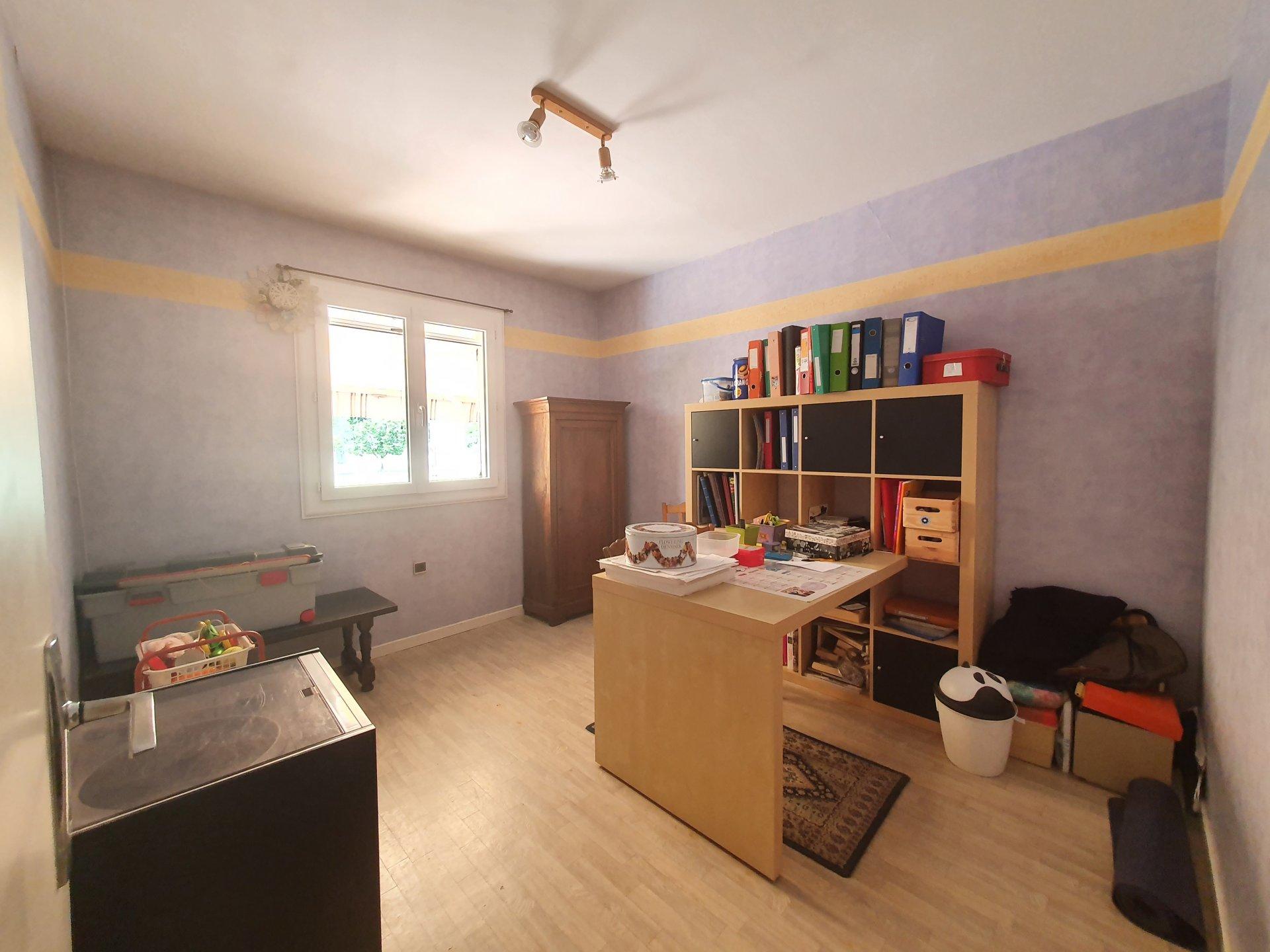 Maison et dépendances sur 2900m² constructible