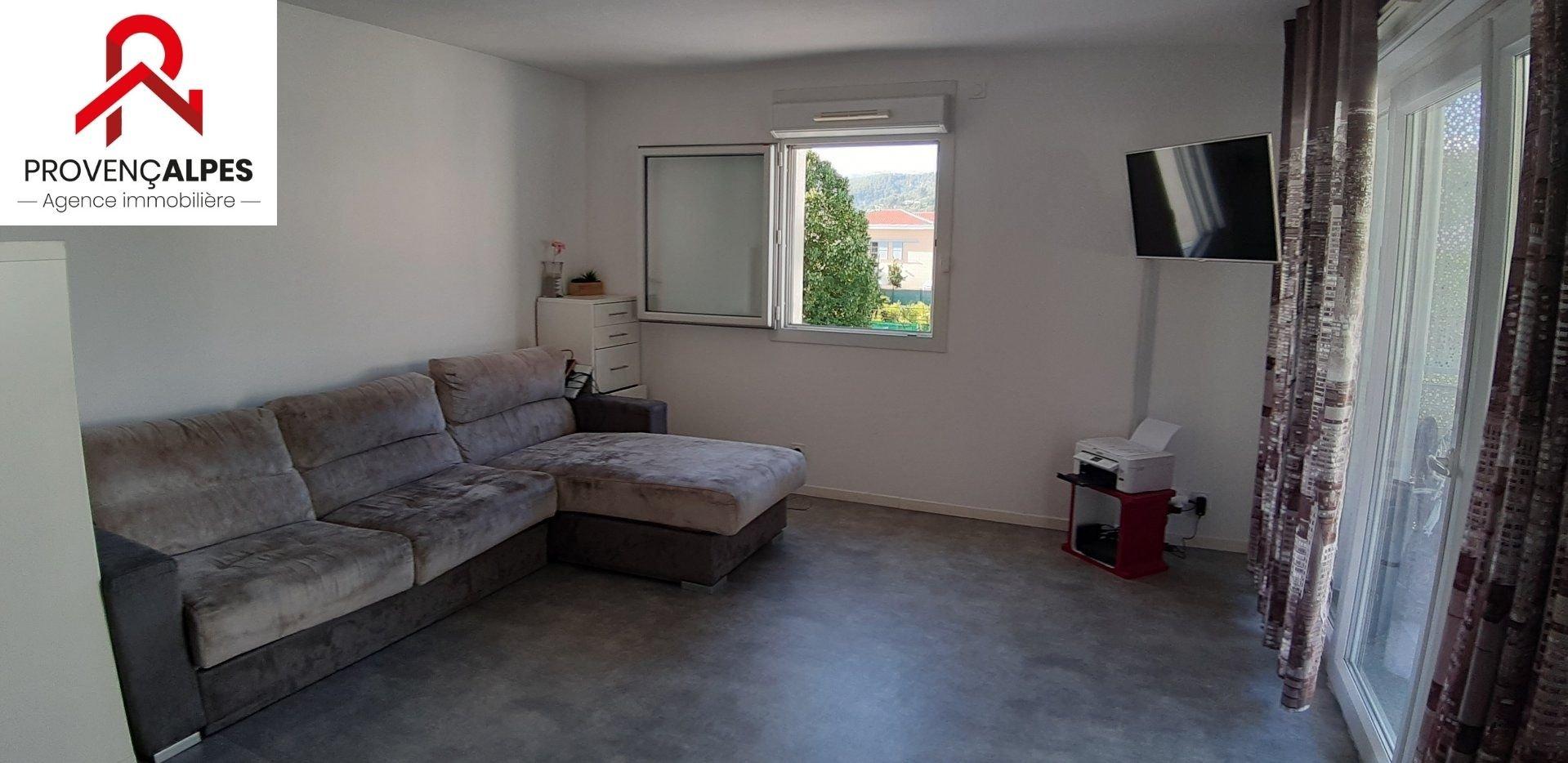 Appartement 3 pièces dans résidence privée