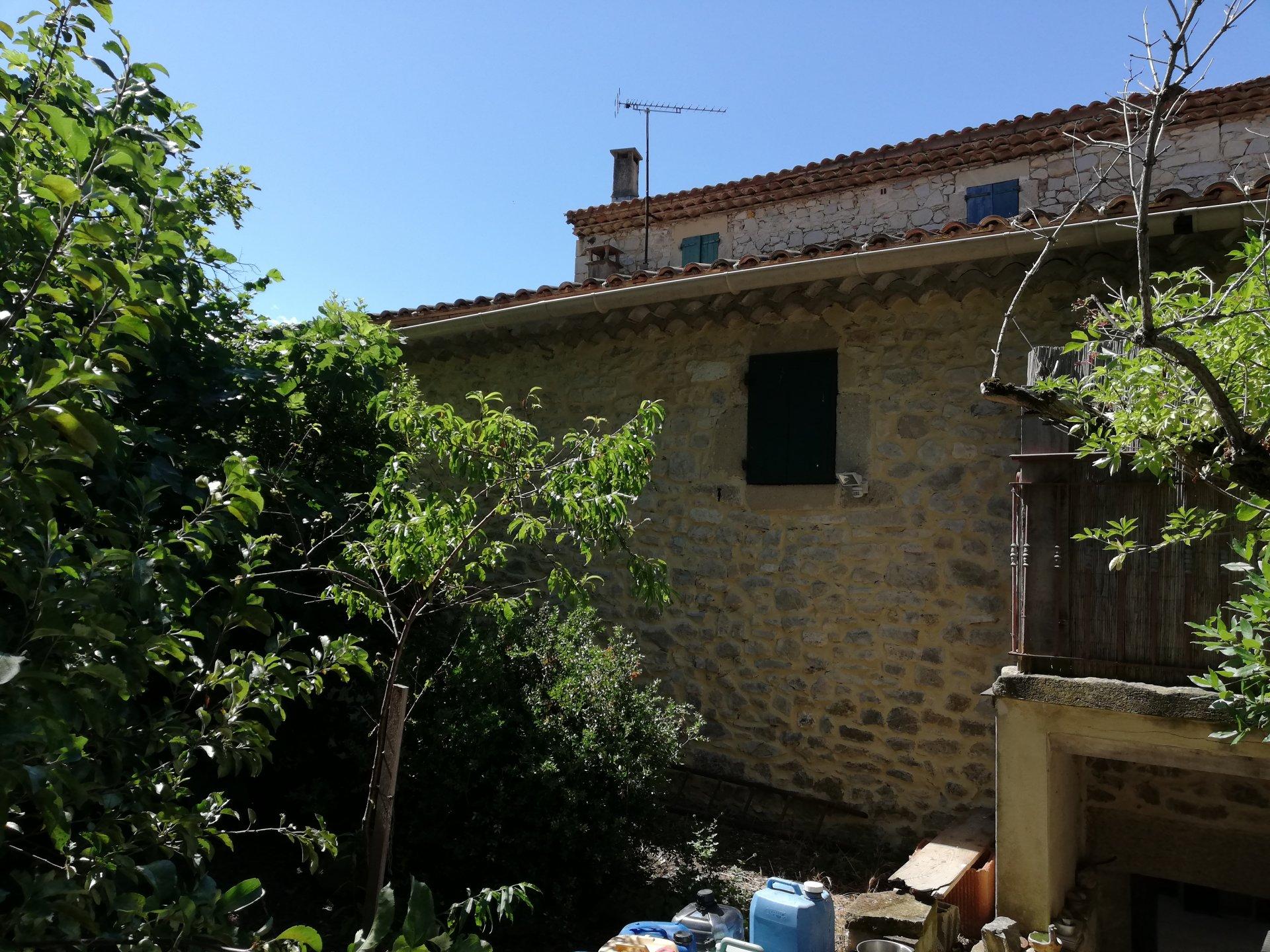 Grande maison de village