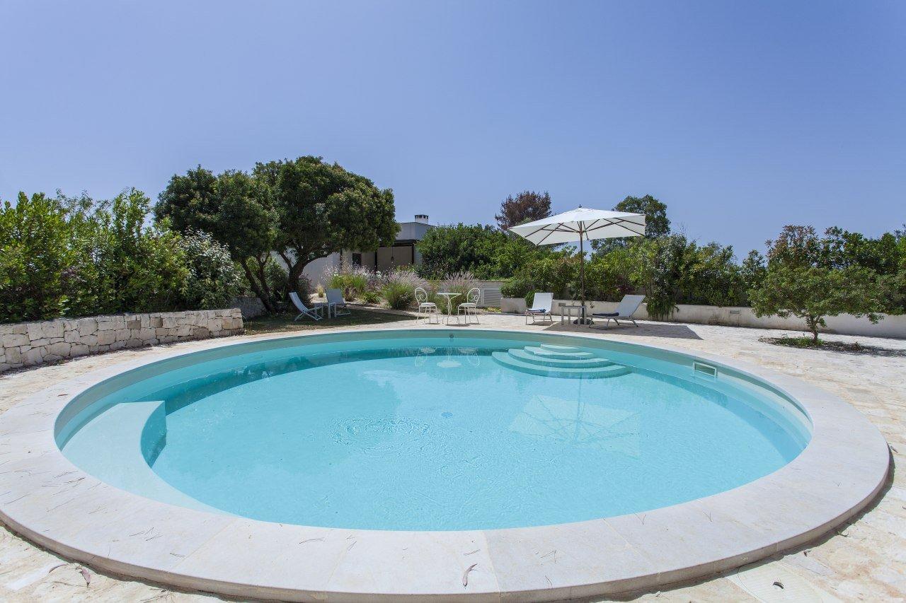 Villa in Ostuni with trullo and private pool
