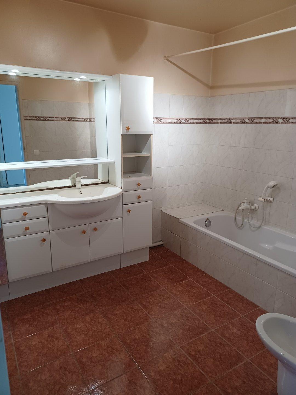 Magnifique appartement 4 pièces de 105 m2 avec terrasse et terrain de 210m2