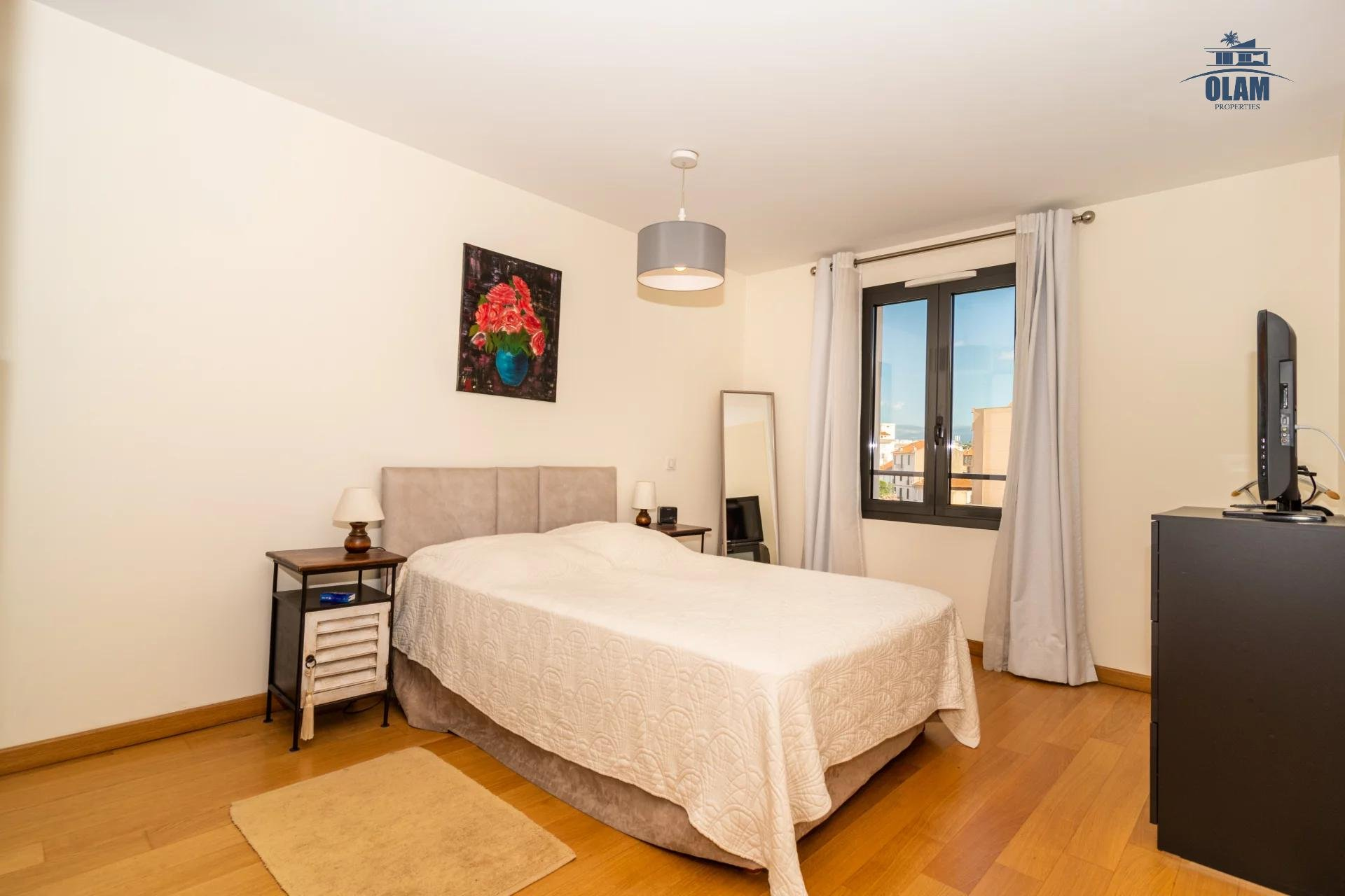 4 rooms modern residence near the centre of Cannes - parental bedroom