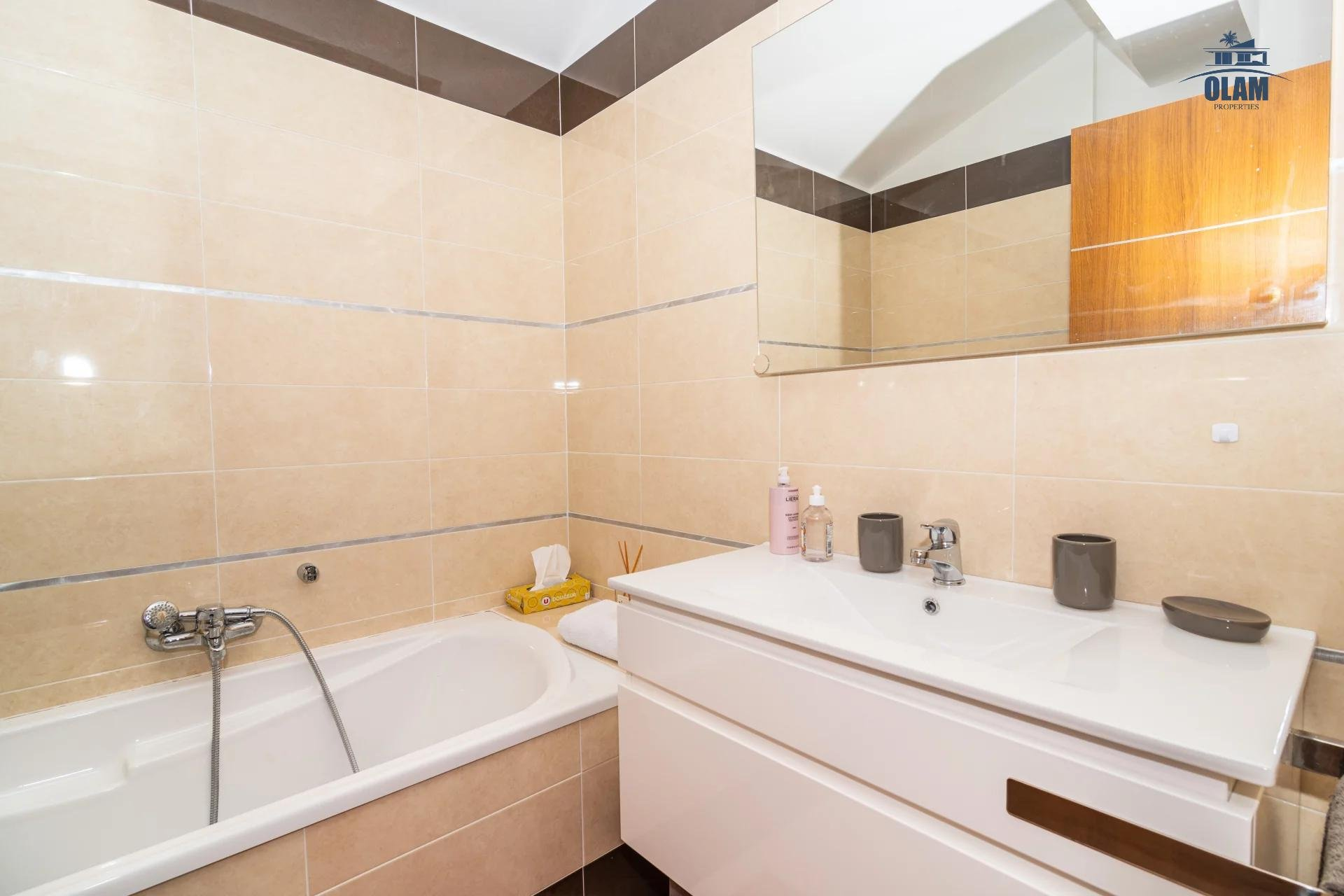 4 rooms modern residence near the centre of Cannes - bathroom