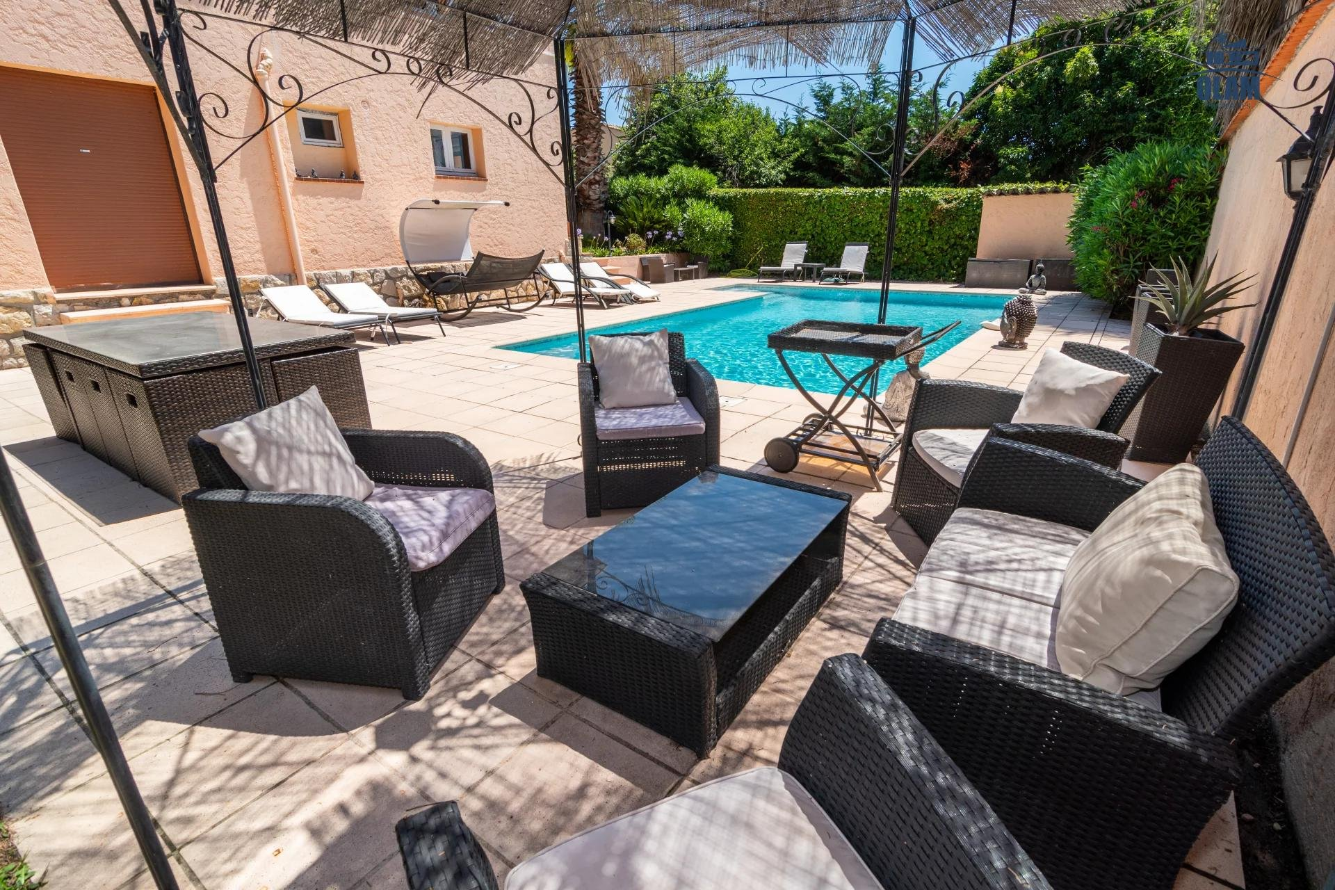 Superb 5 room house with pool and spacious exterior mougins - outdoor living room