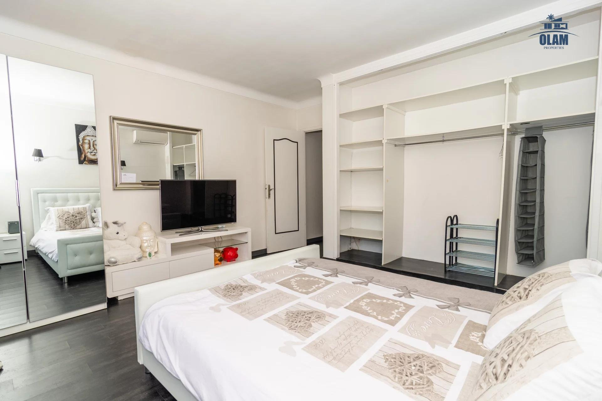 Superb 5 room house with pool and spacious exterior mougins - bedroom and dressing