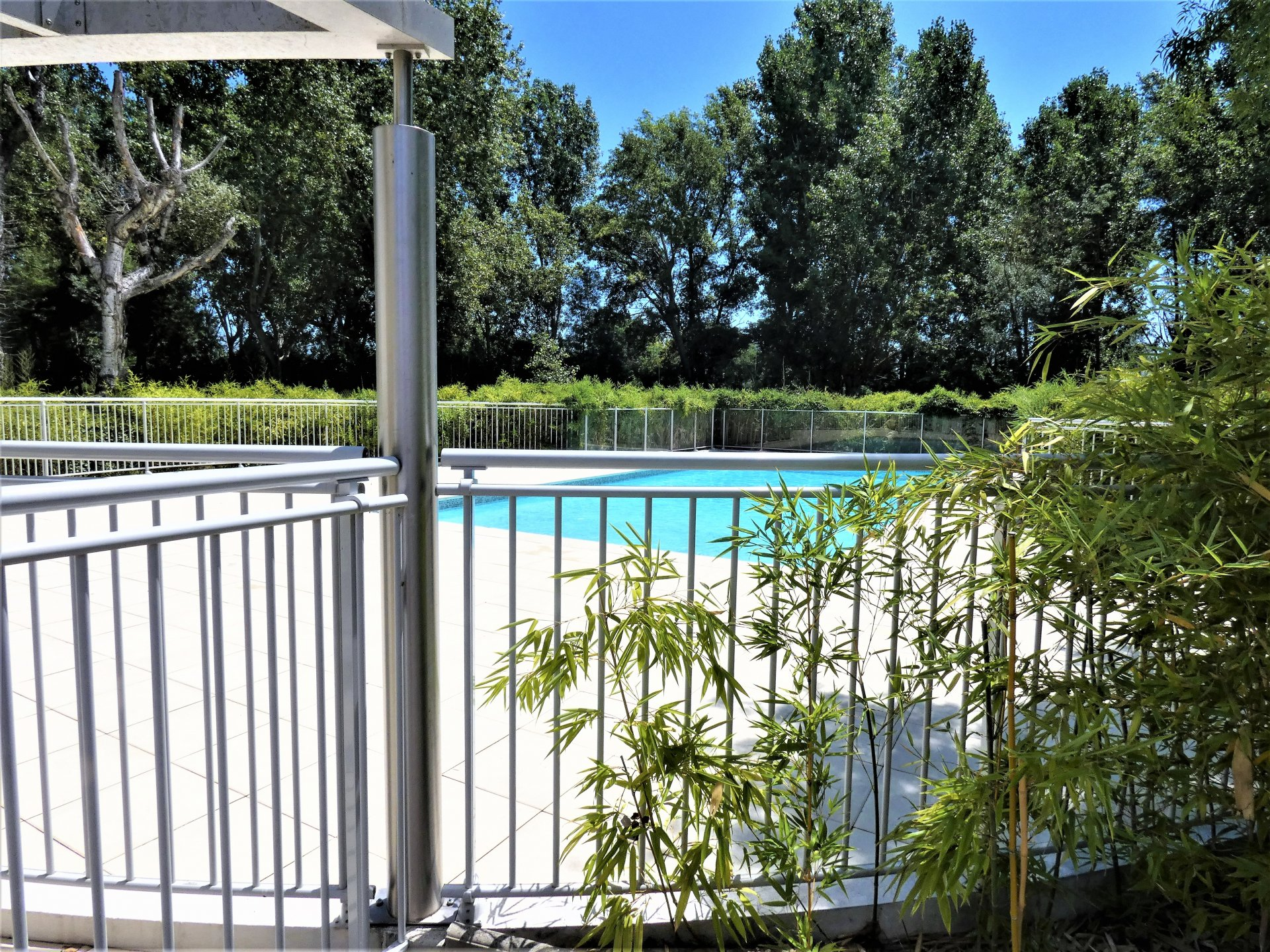 PRICE DROP: For sale, very nice apartment of 45 m² between Mandelieu and Pegomas with swimming pool
