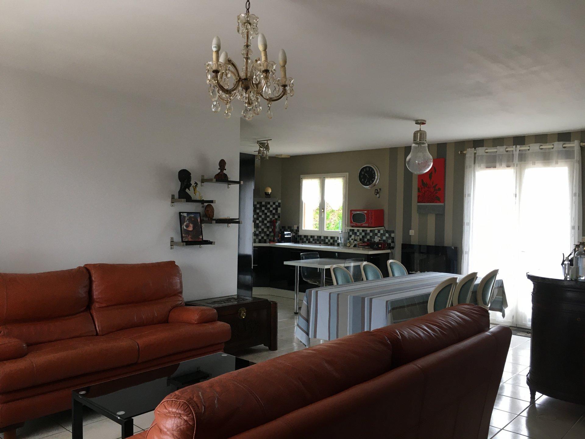 Sale House - Cinq-Mars-la-Pile