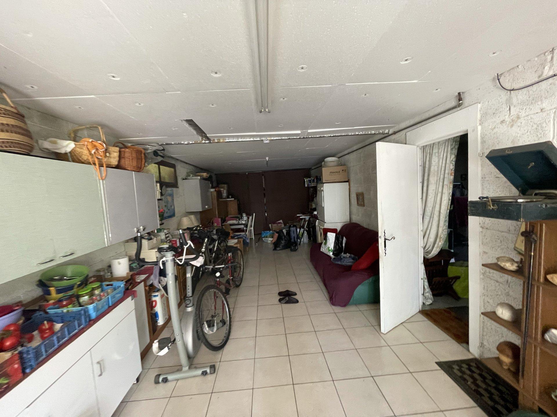 Rare - Secteur résidentiel – Maison individuelle  - Terrain 1537 m2