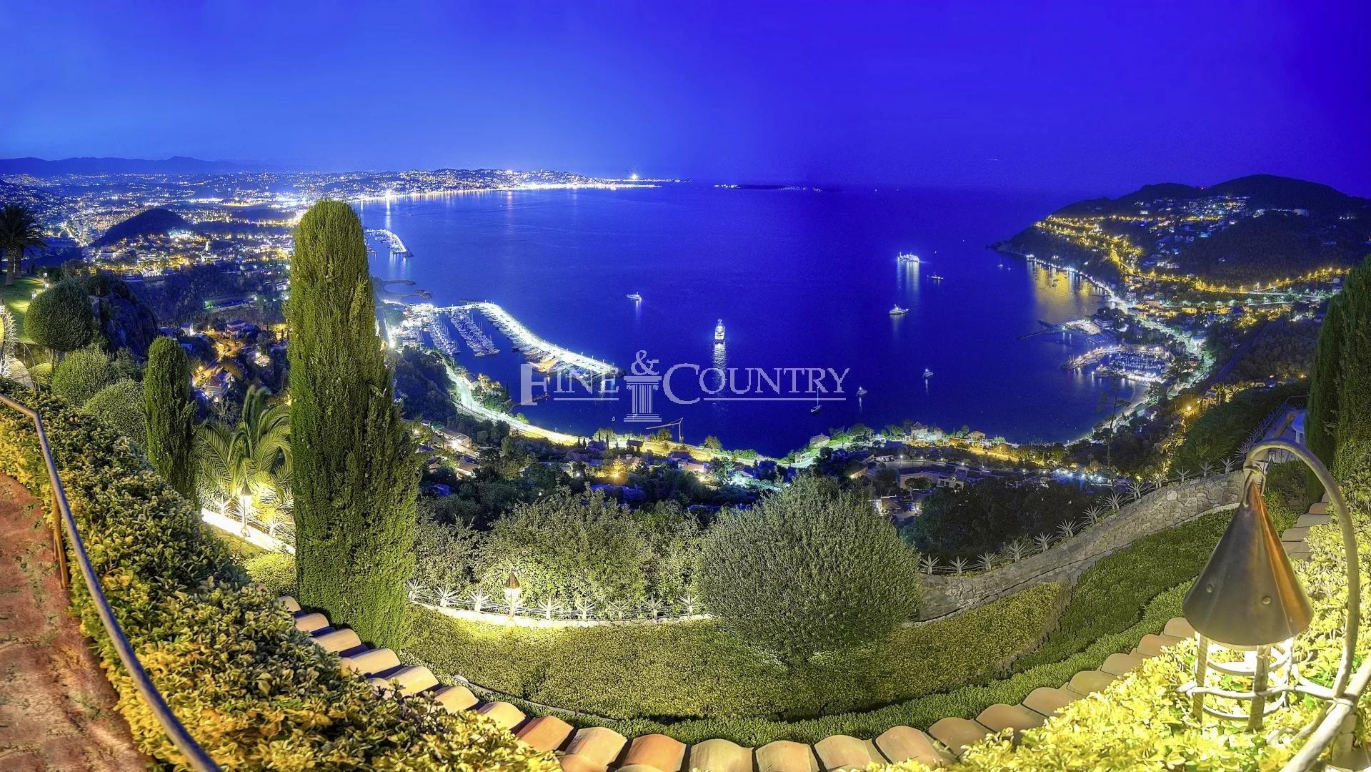 Villa mit 360° -Blick in Theoule-sur-Mer zu verkaufen