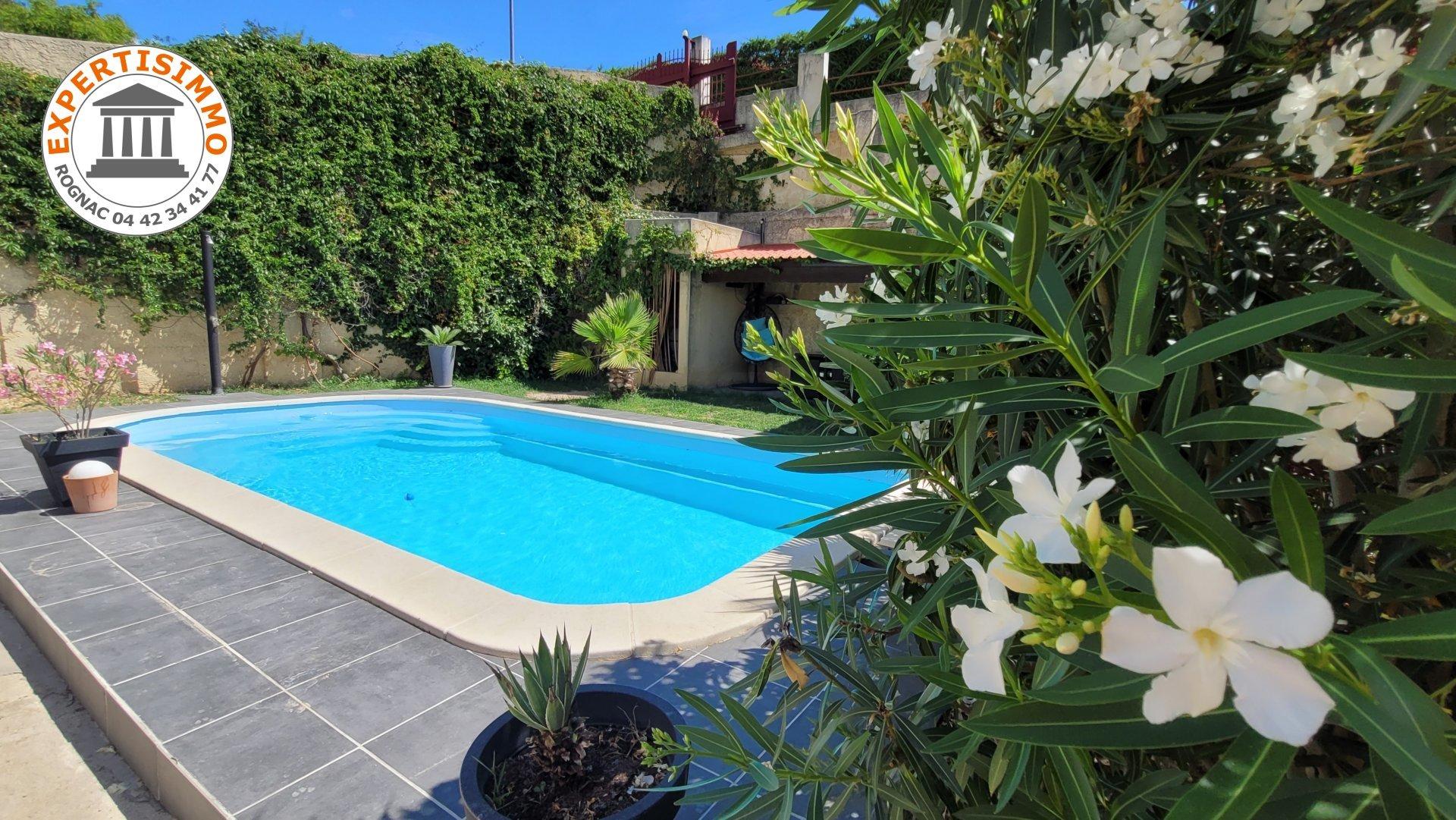 Velaux colline Villa T5 191m² avec piscine sur 809m² de terrain