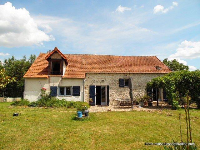 Te koop in de Indre, een fermette, zwembad en 2,3 ha.