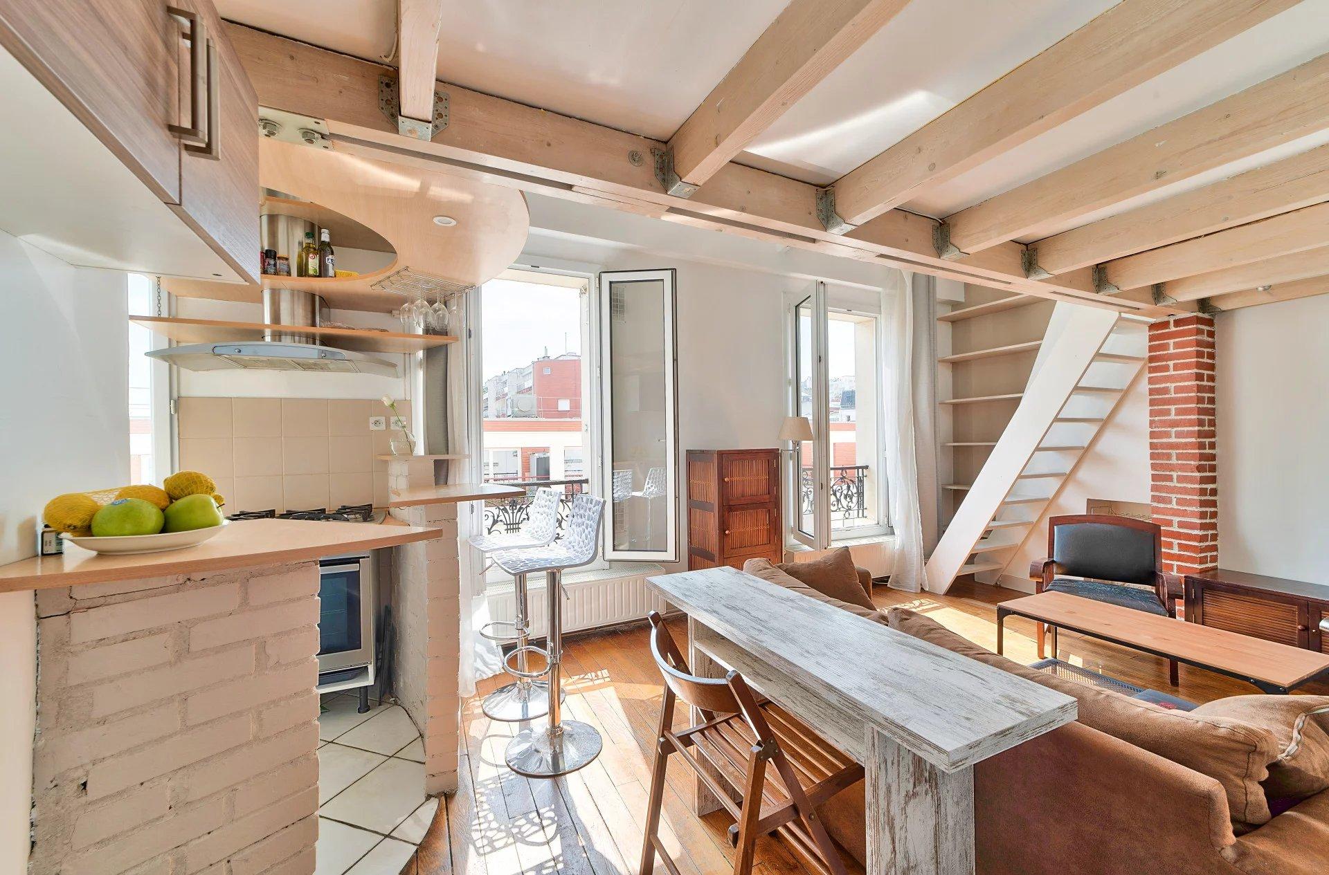 2 pièces en duplex - Dernier étage - Vue Sacré-Coeur