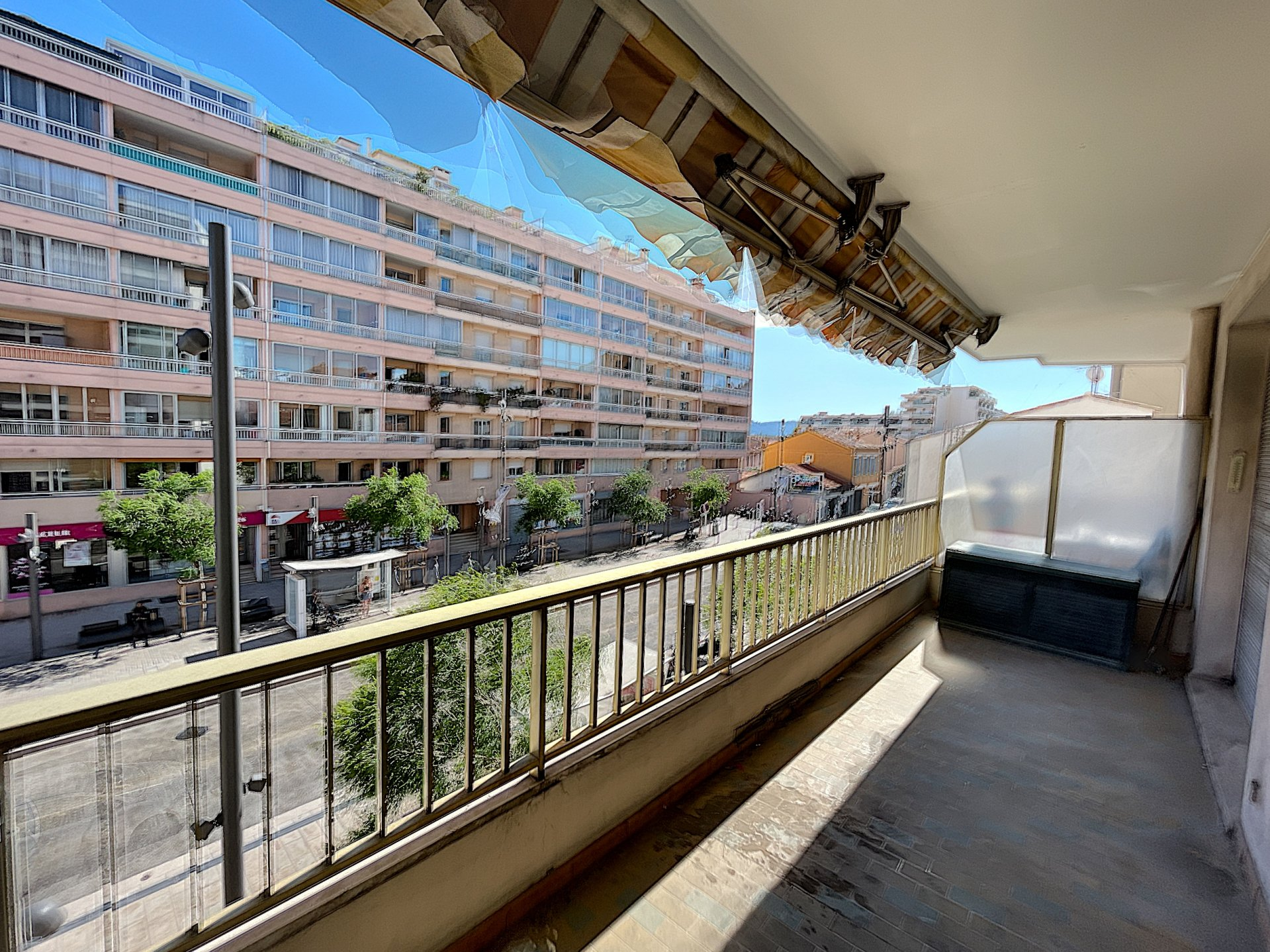 Cannes-La-Bocca - Studio de 35 m²