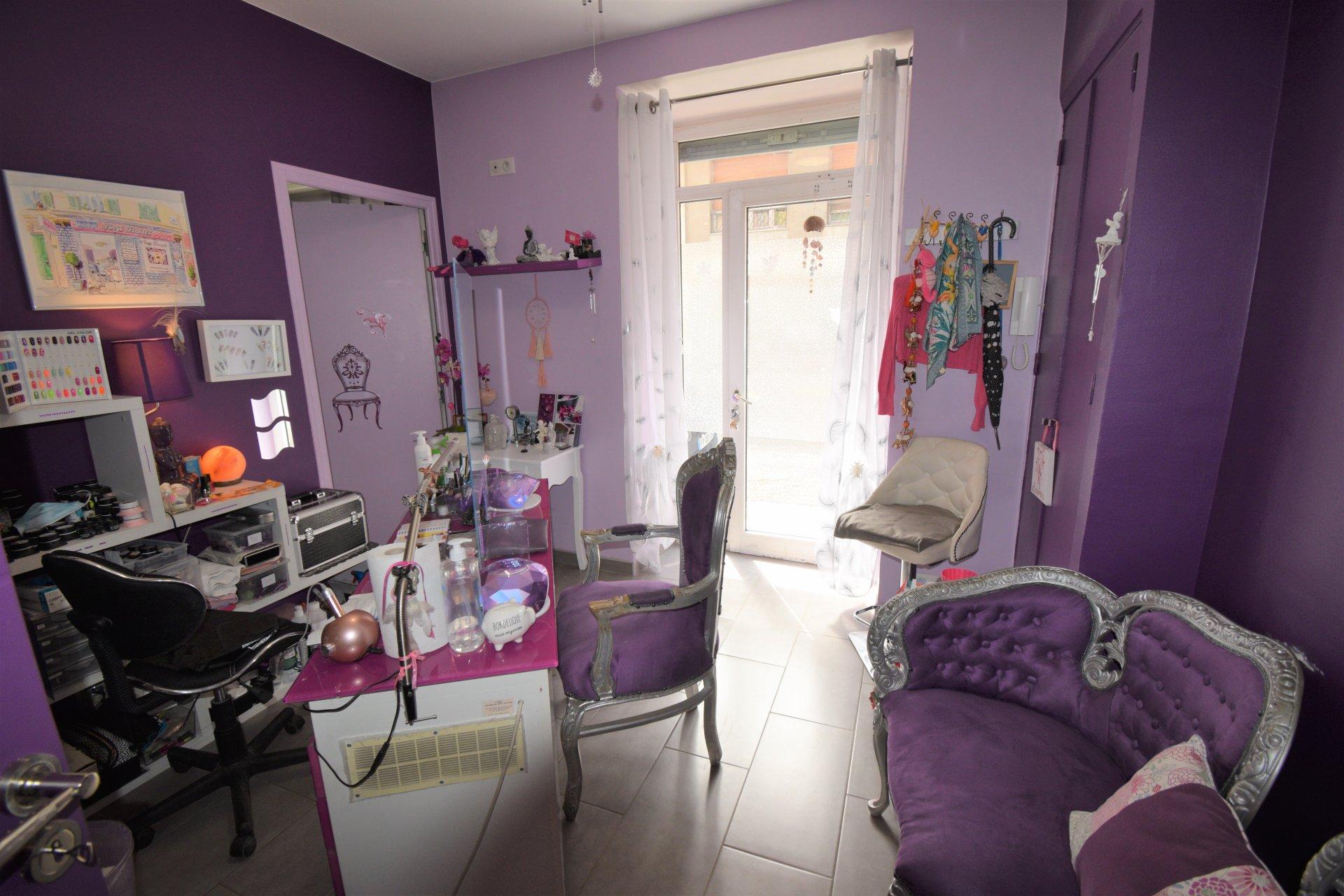 Local 92 m² magasin+habitation