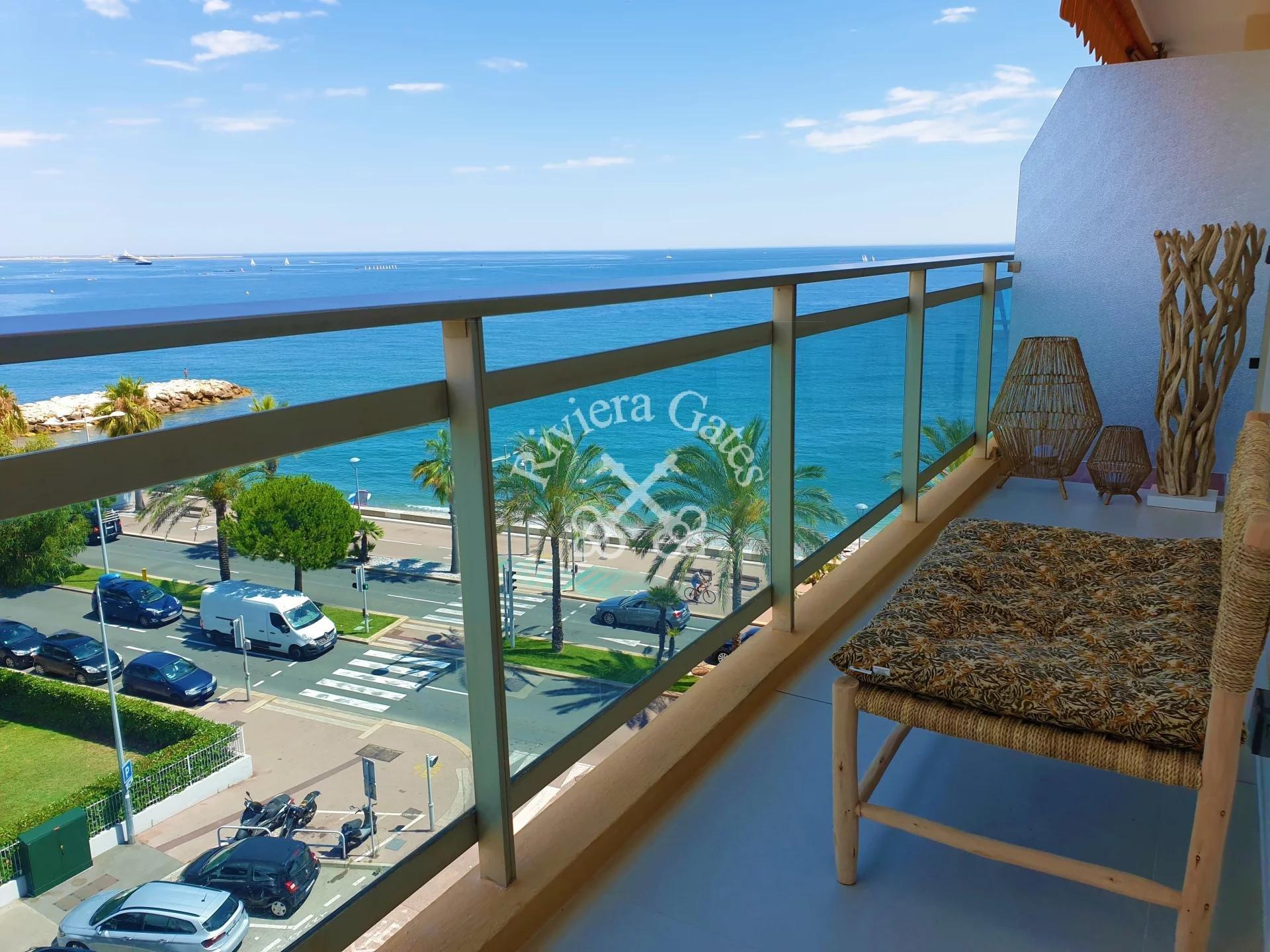 A louer - Magnifique appartement 2 pièces d'une superficie de 50 m², vue mer panoramique + parking sous-sol.