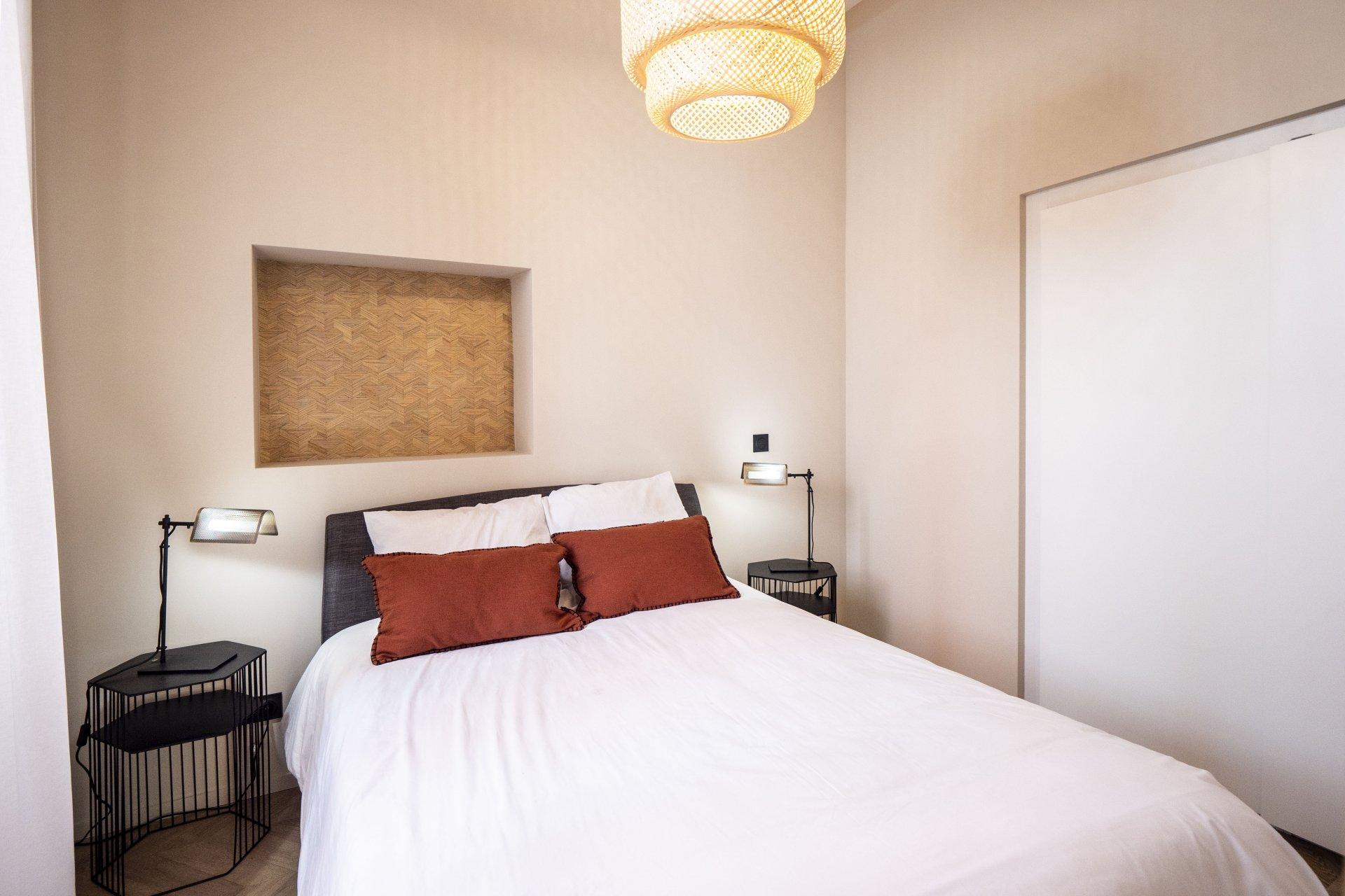 Vieux Nice 2p neuf chambre