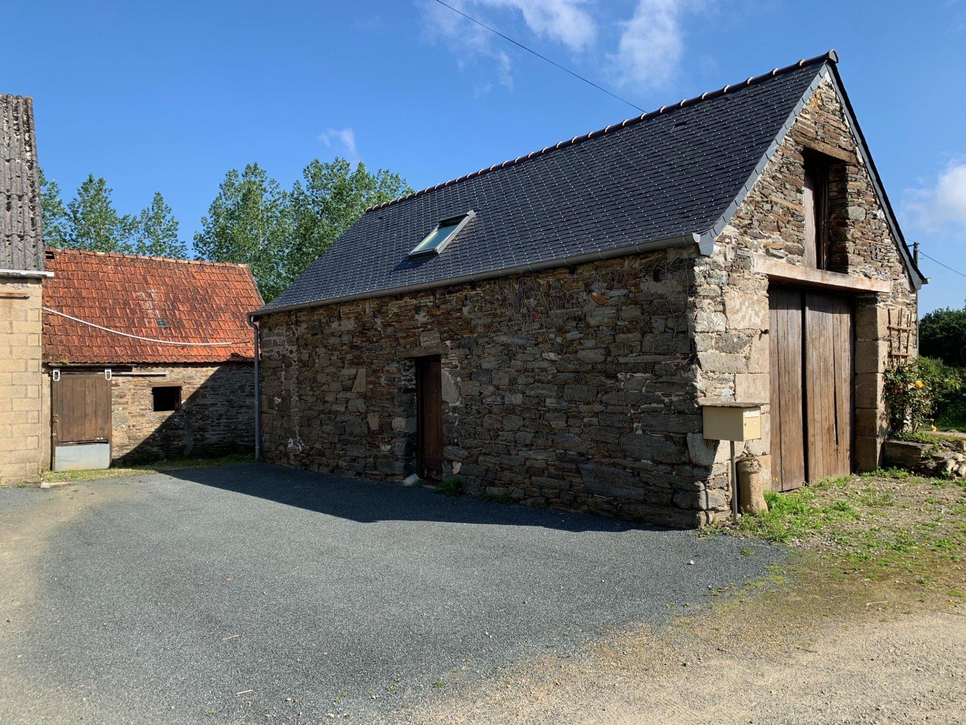 A VENDRE, Sainte-Sève, Ancien corps de ferme