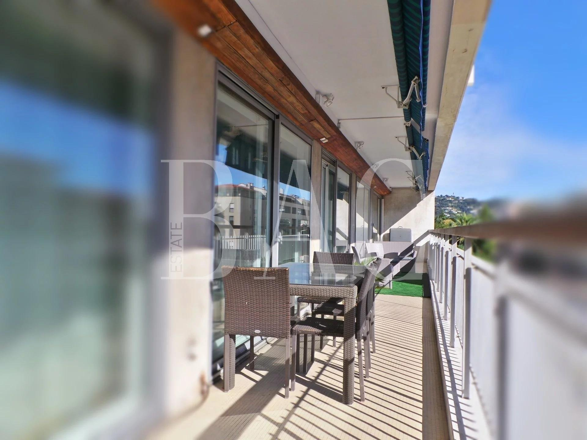 Cannes, superb apartment 150 meters from the famous Forville market