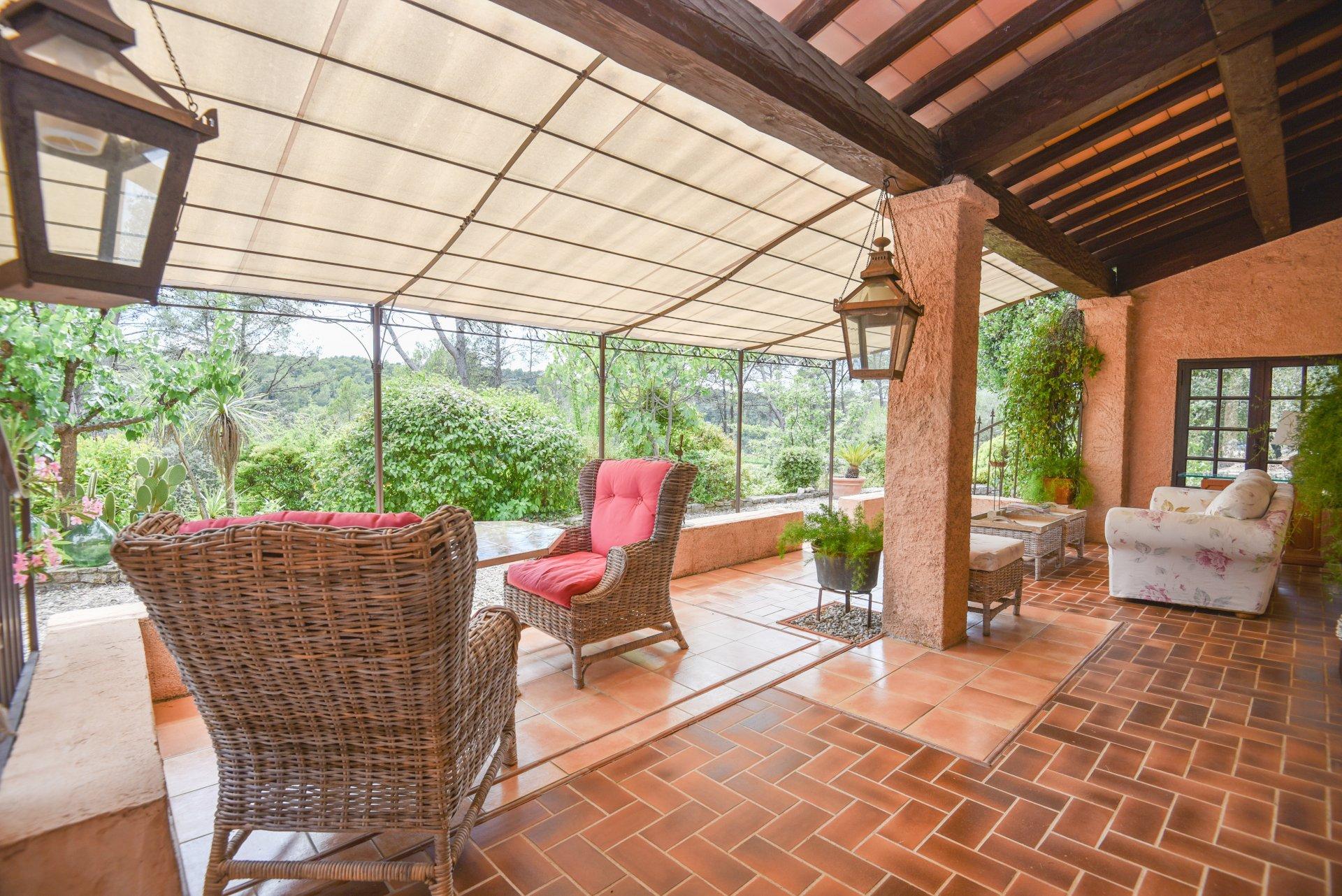 Villa Provençale de charme avec piscine, à seulement 3 km de Lorgues