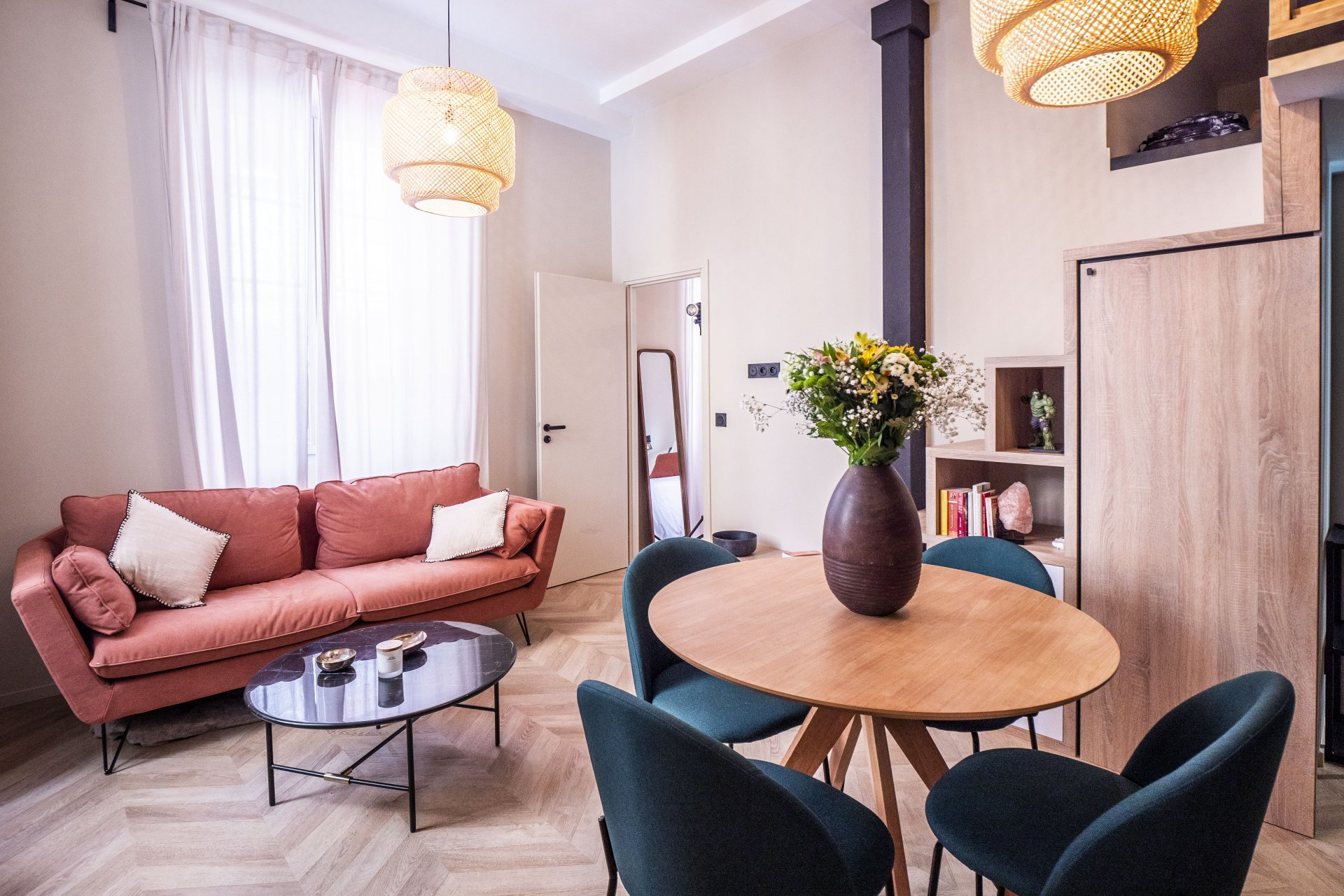 2 BEDROOMS IN OLD CITY
