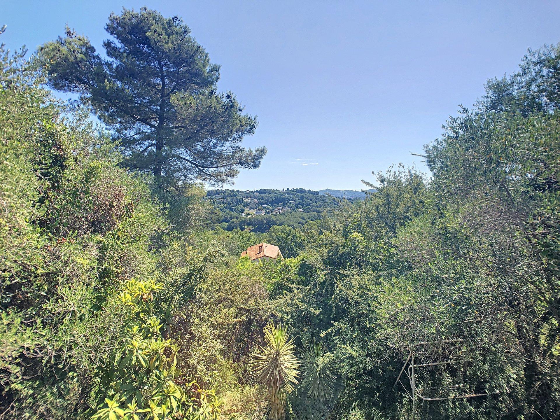 La Roquette Sur Siagne, Villa in a quiet environment on a dominant position