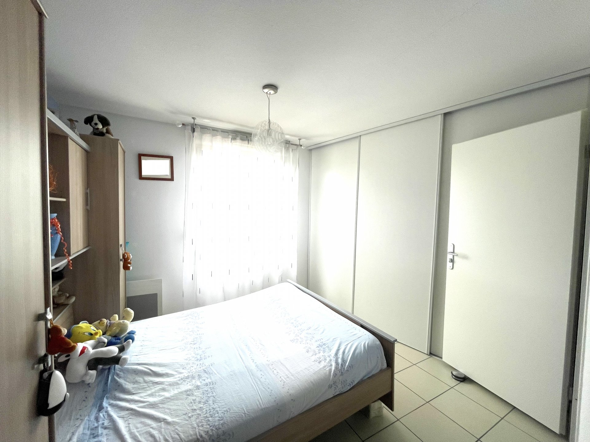 Vendu LOUÉ : Appartement T4 au dernier étage avec terrasse