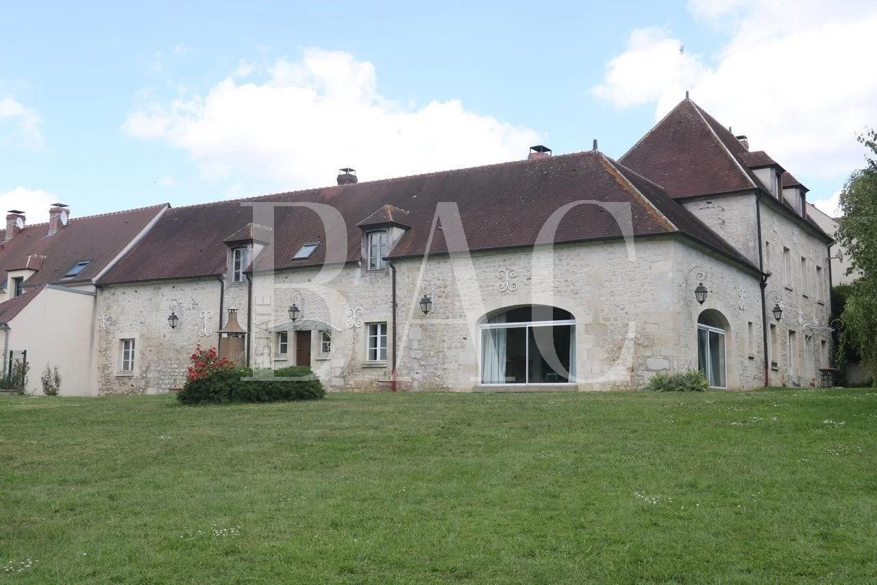 Splendid old farmhouse in the French Vexin