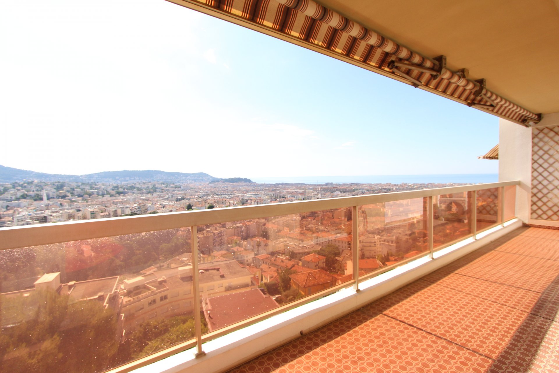 2P Pessicart - dernier étage - terrasse vue mer