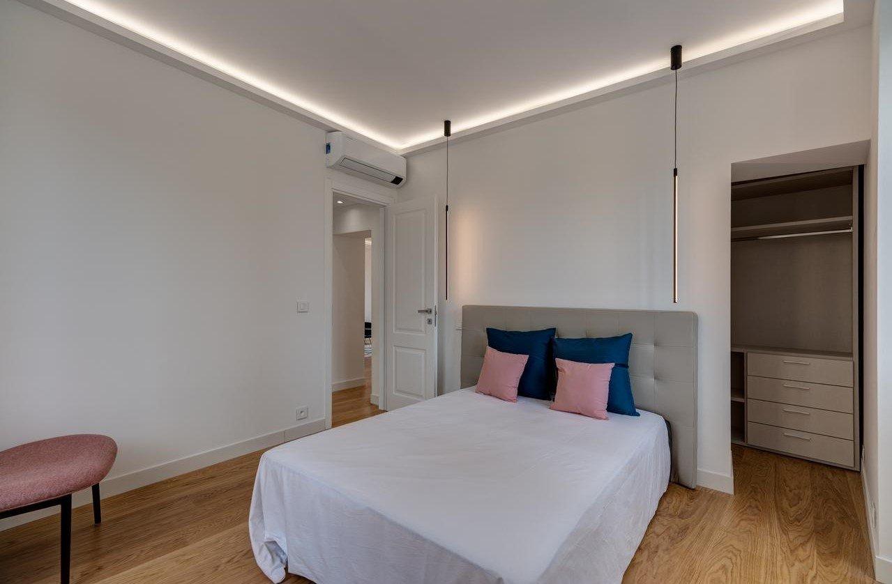 Nyrenoverad lägenhet med terrass på 100m² - Nice Carré d'Orace of 100m²