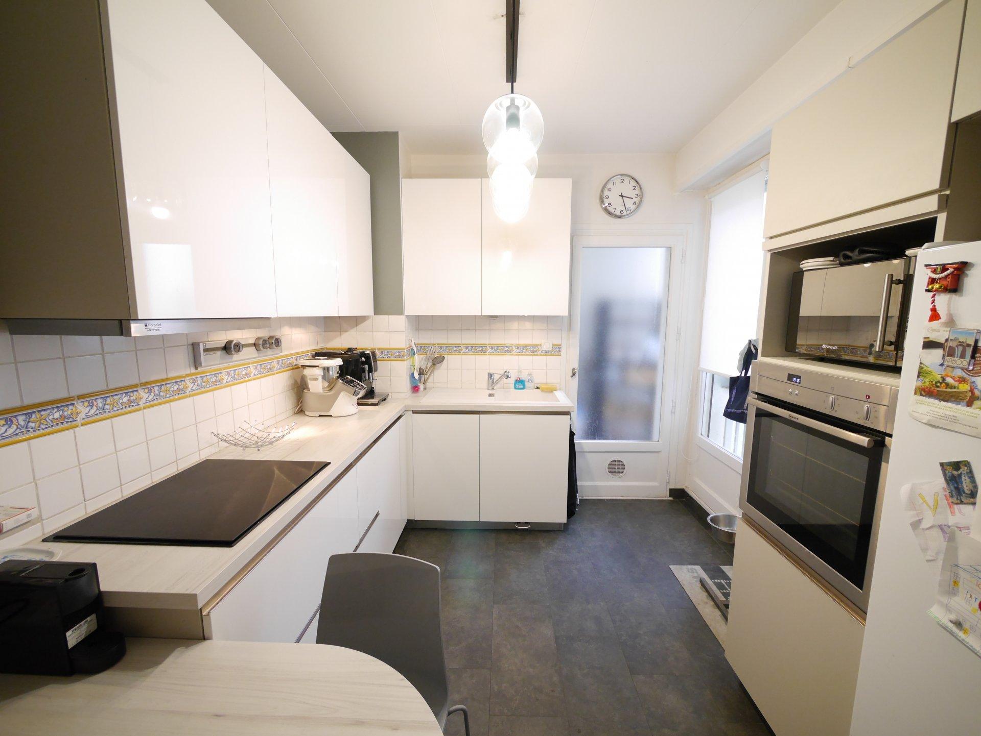 T6 de 141 m² à deux pas de la place Puvis de Chavannes