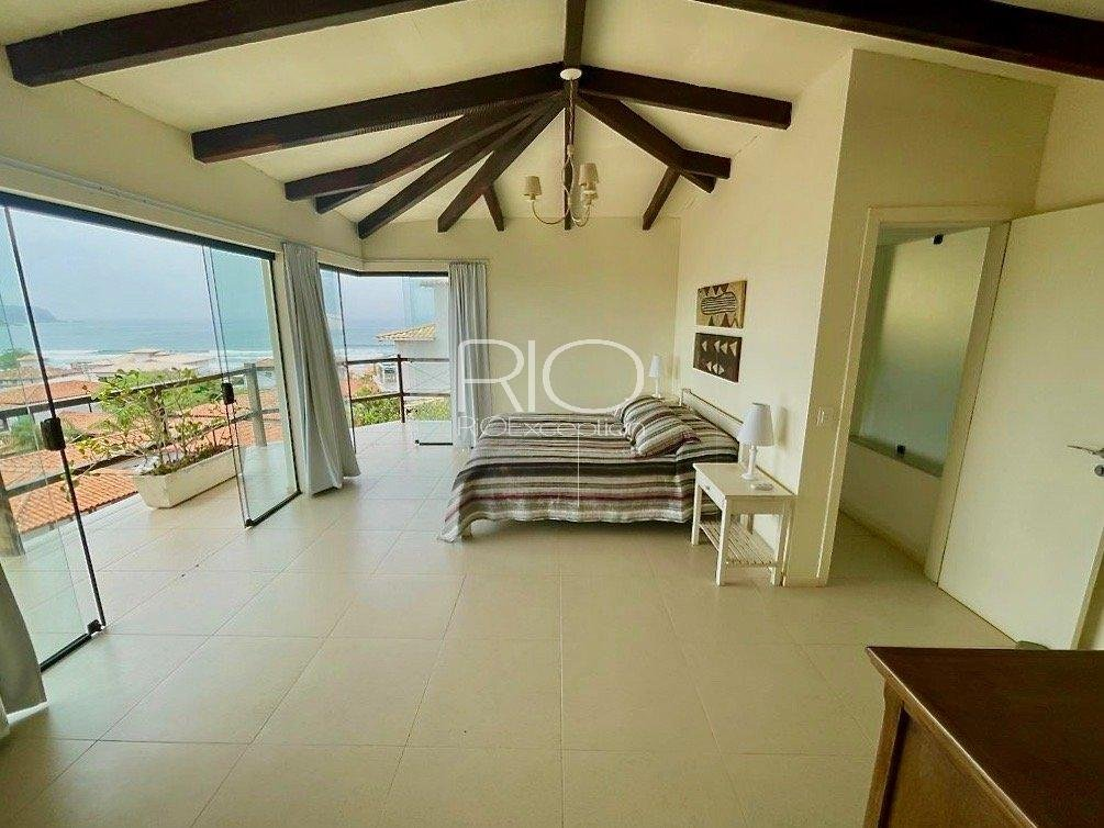 BÚZIOS, magnificent villa of 270m2 with sea view, 5 minutes walk from Geribá beach !