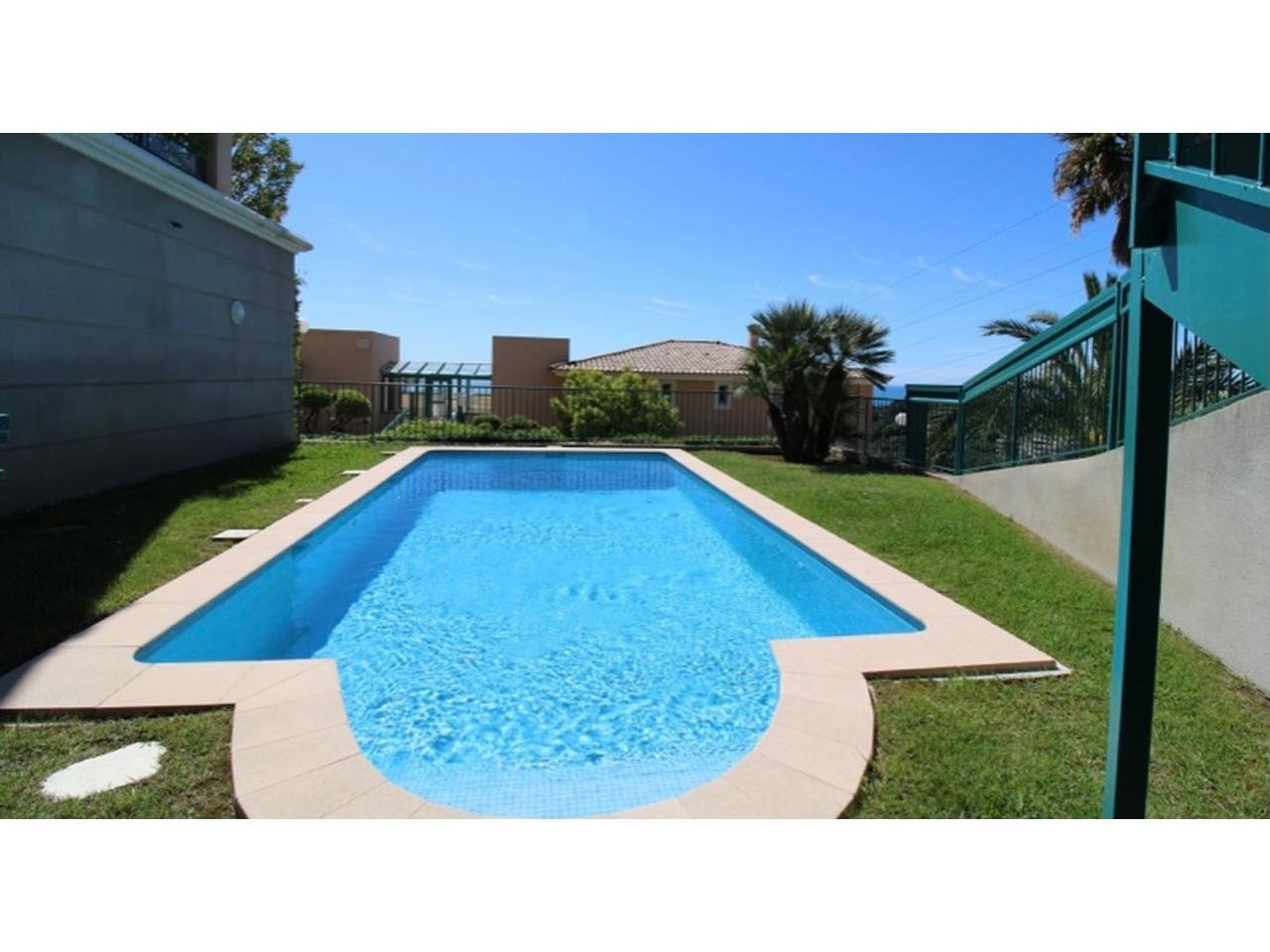 Appartement  3 Rooms 77.7m2  for sale   590000 €