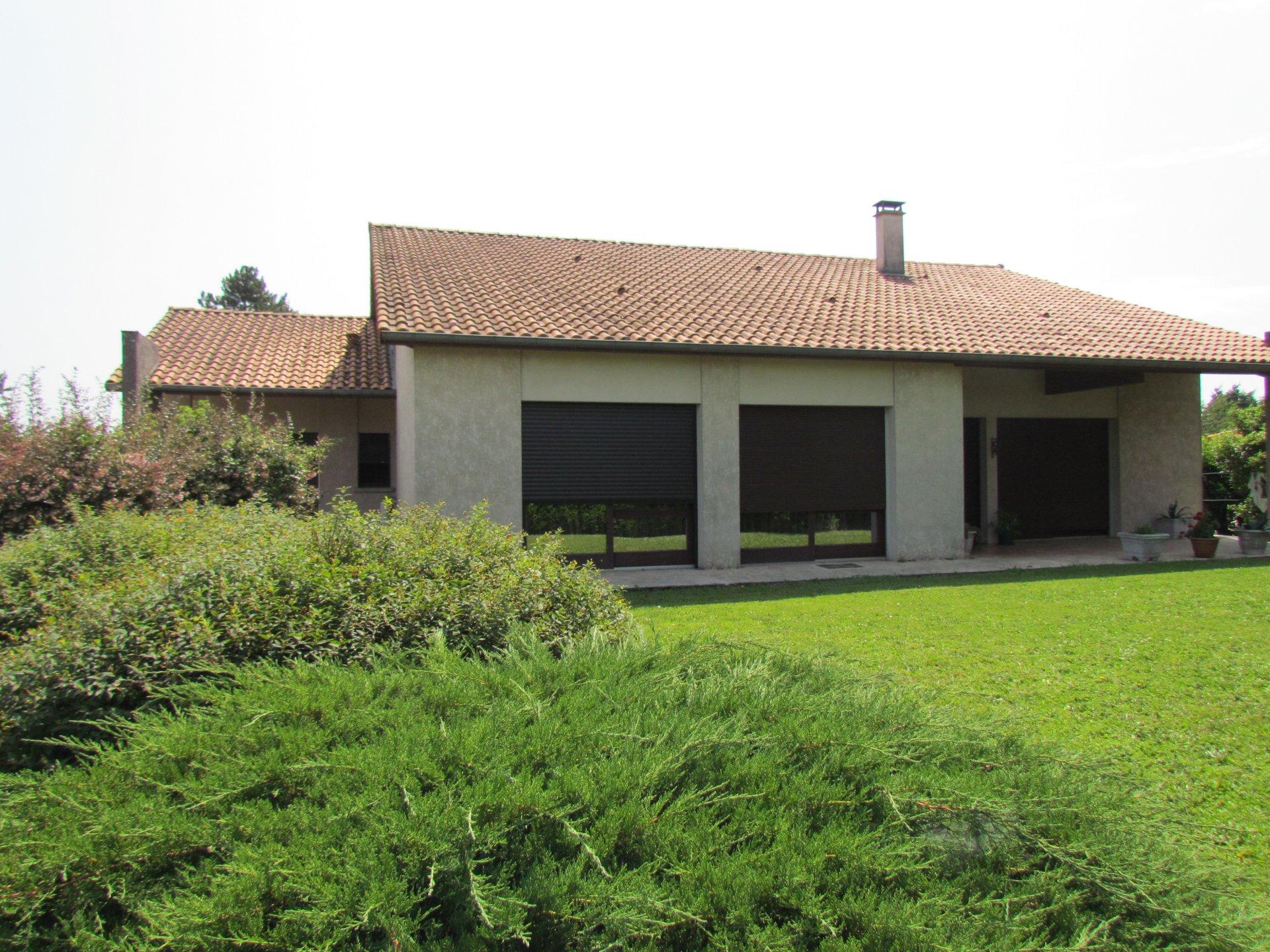 Maison atypique proche de Ruffec