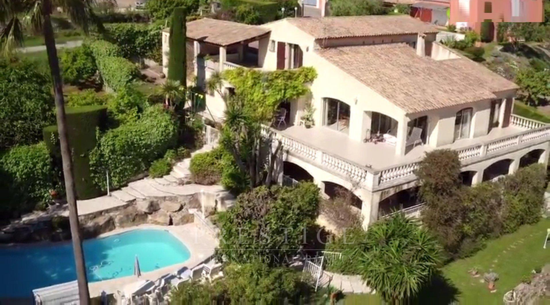 Vallauris, villa vue mer et calme sur 3 niveaux